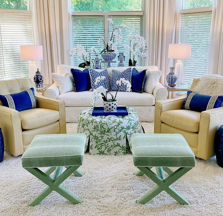 A Kansas City client worked with Calico designer, Carolyn Shultz, to update the look in her sunroom.