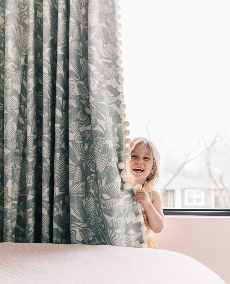 Jen Pinkston from   The Effortless Chic   worked with Calico to make these drapes for her daughter Parker's room—and they're obviously a big success!
