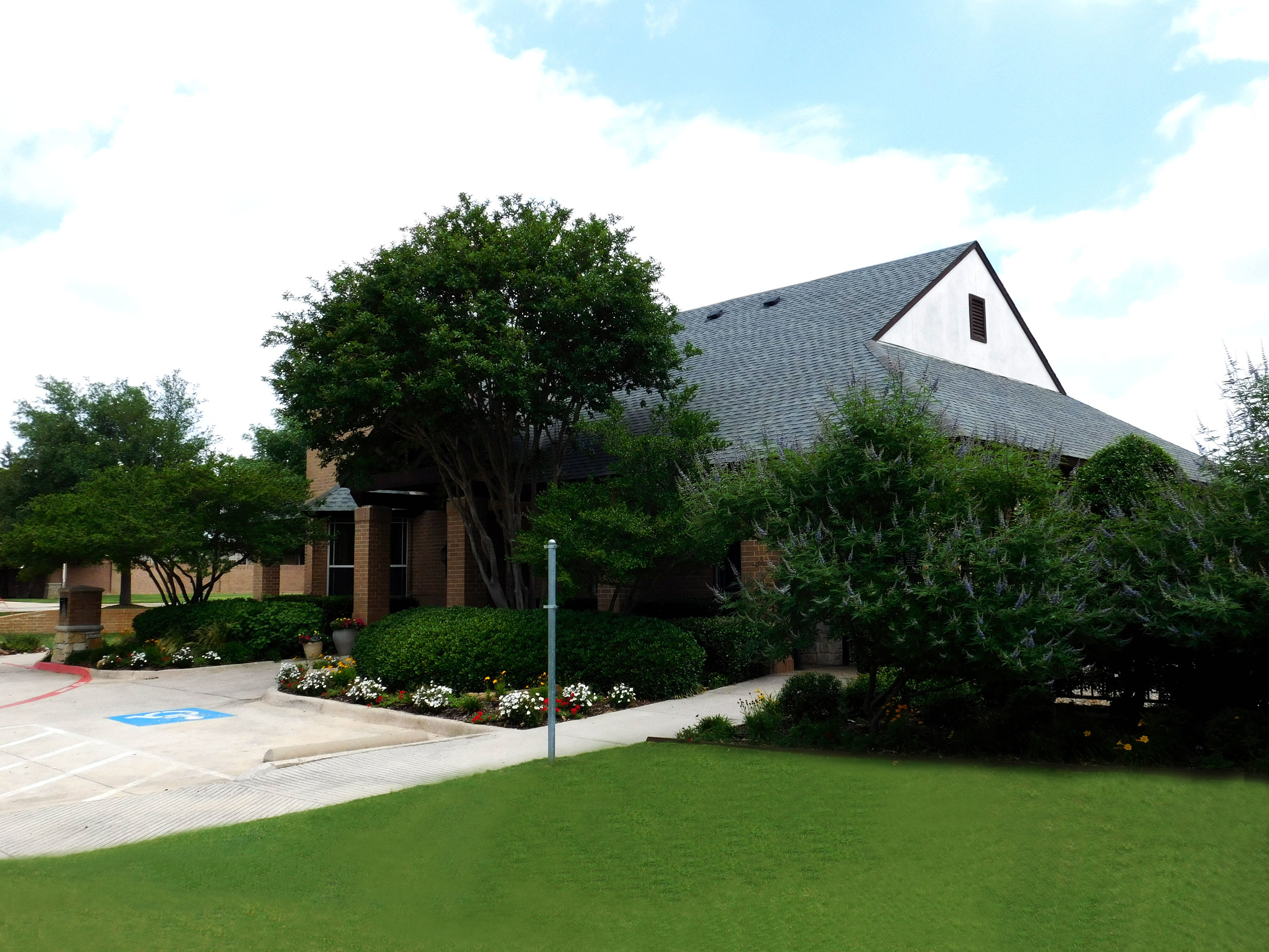 Outside-of-Clubhouse-1.jpg