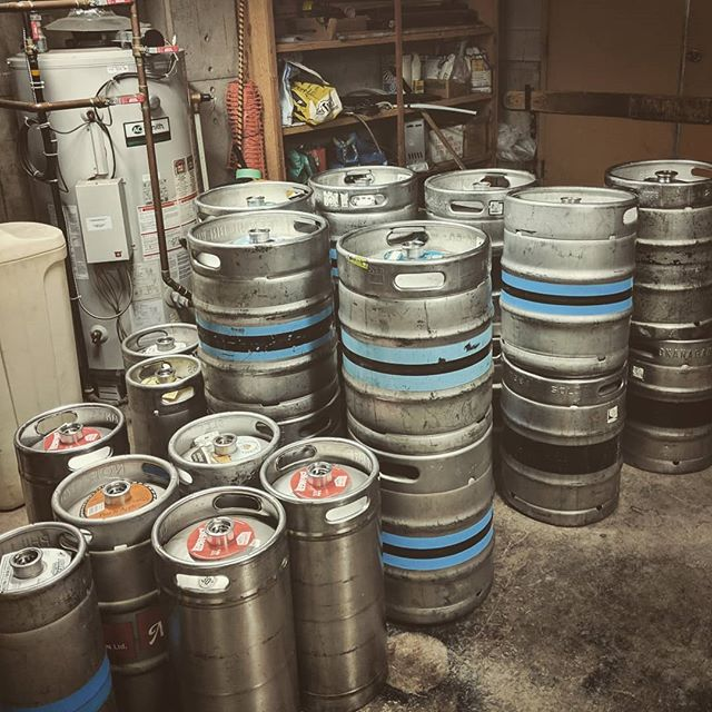 Hot Dog Days' Fallen Soldiers (the inanimate ones at least!) #ferniestoke #drinkfernie #rustyedgebar #hotdogday #kegs #hangover