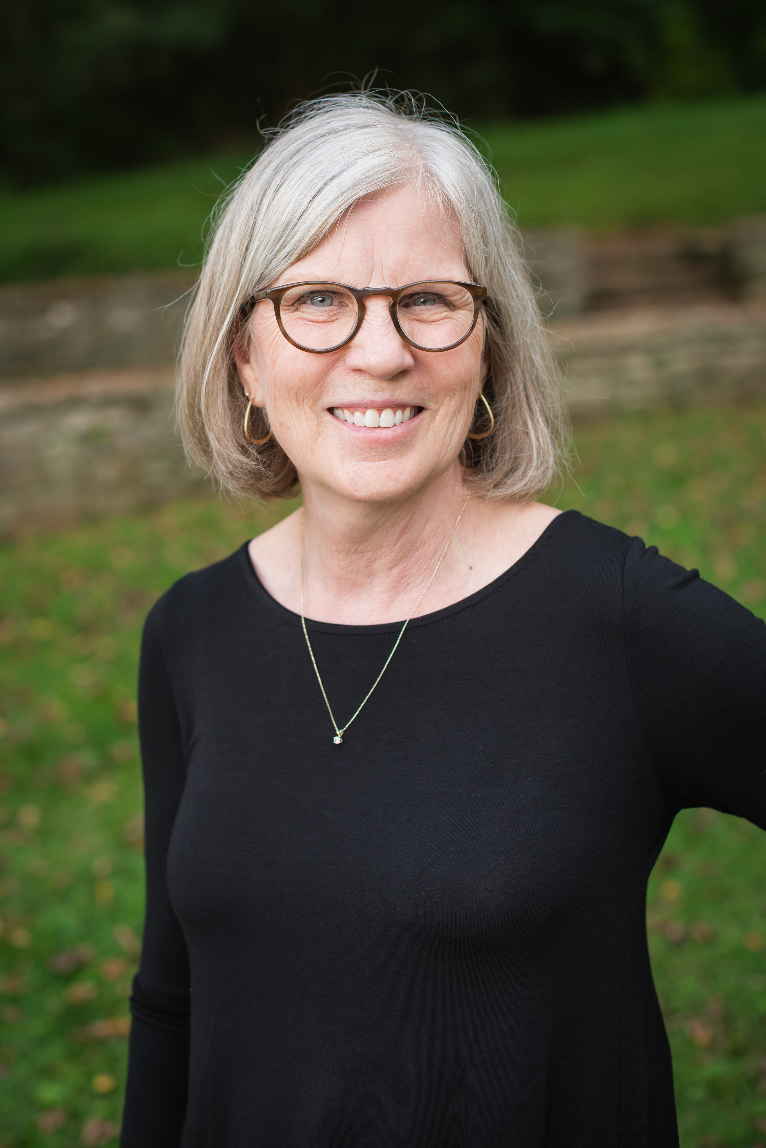 Beth Herrin  Dental hygienist, 40 Years Experience  N2O certified, CPR, Dental Radiology