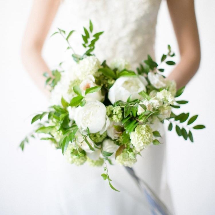 Sinclair & Moore Flower Workshop  I  Flowers : Chelsea Carter Events I  Photographer : Matthew Land