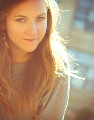 01_Laena_McCarthy_portrait.jpg