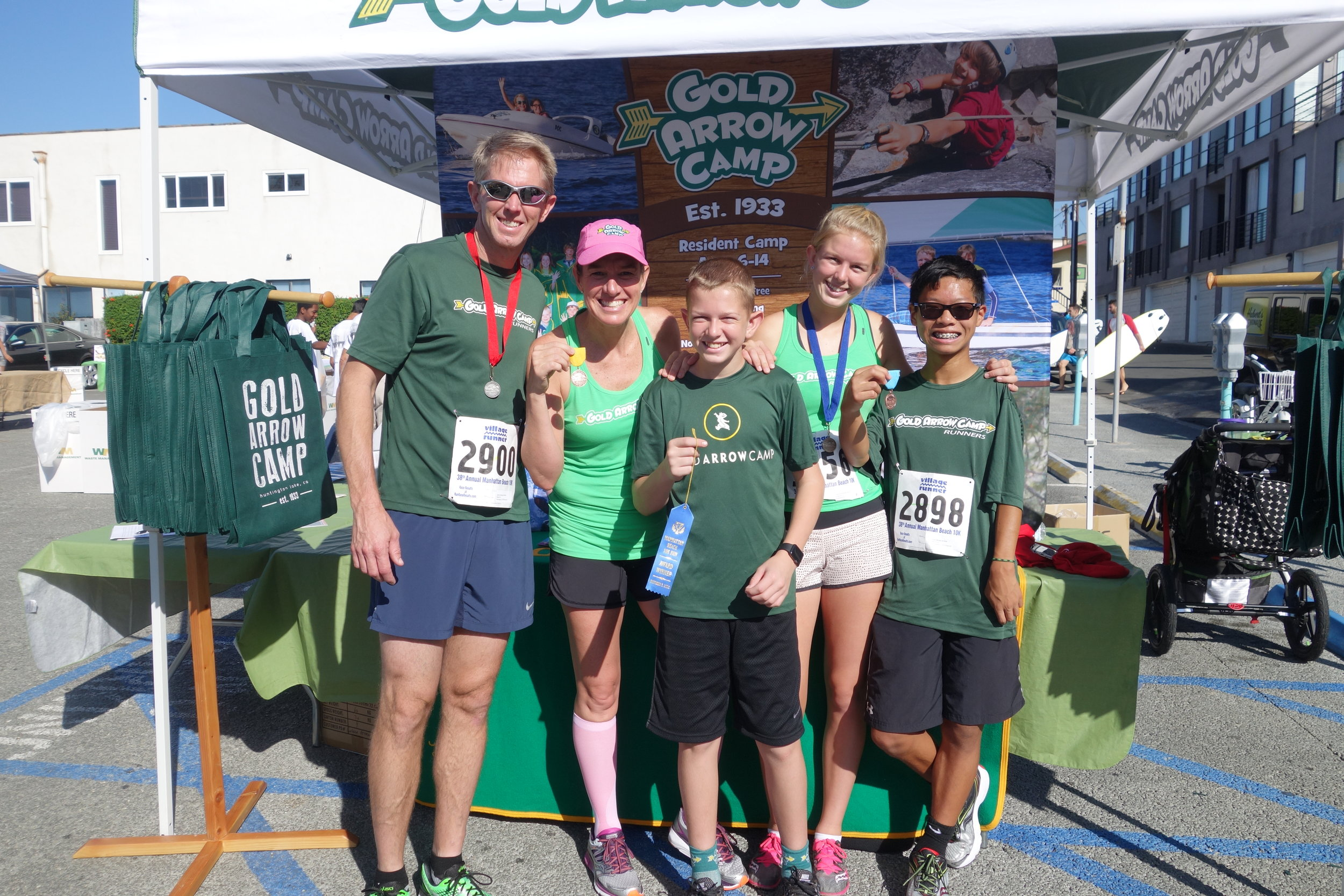 2018 Gold Arrow Campers/Racers at the Manhattan Beach 10k.