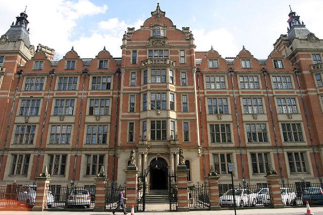 London School of Economics  by  Boilingfruit