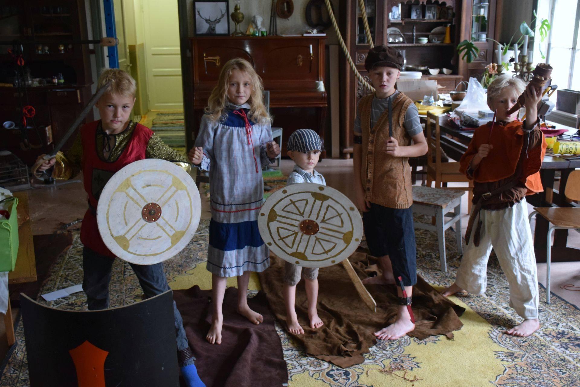 Juha's children playing