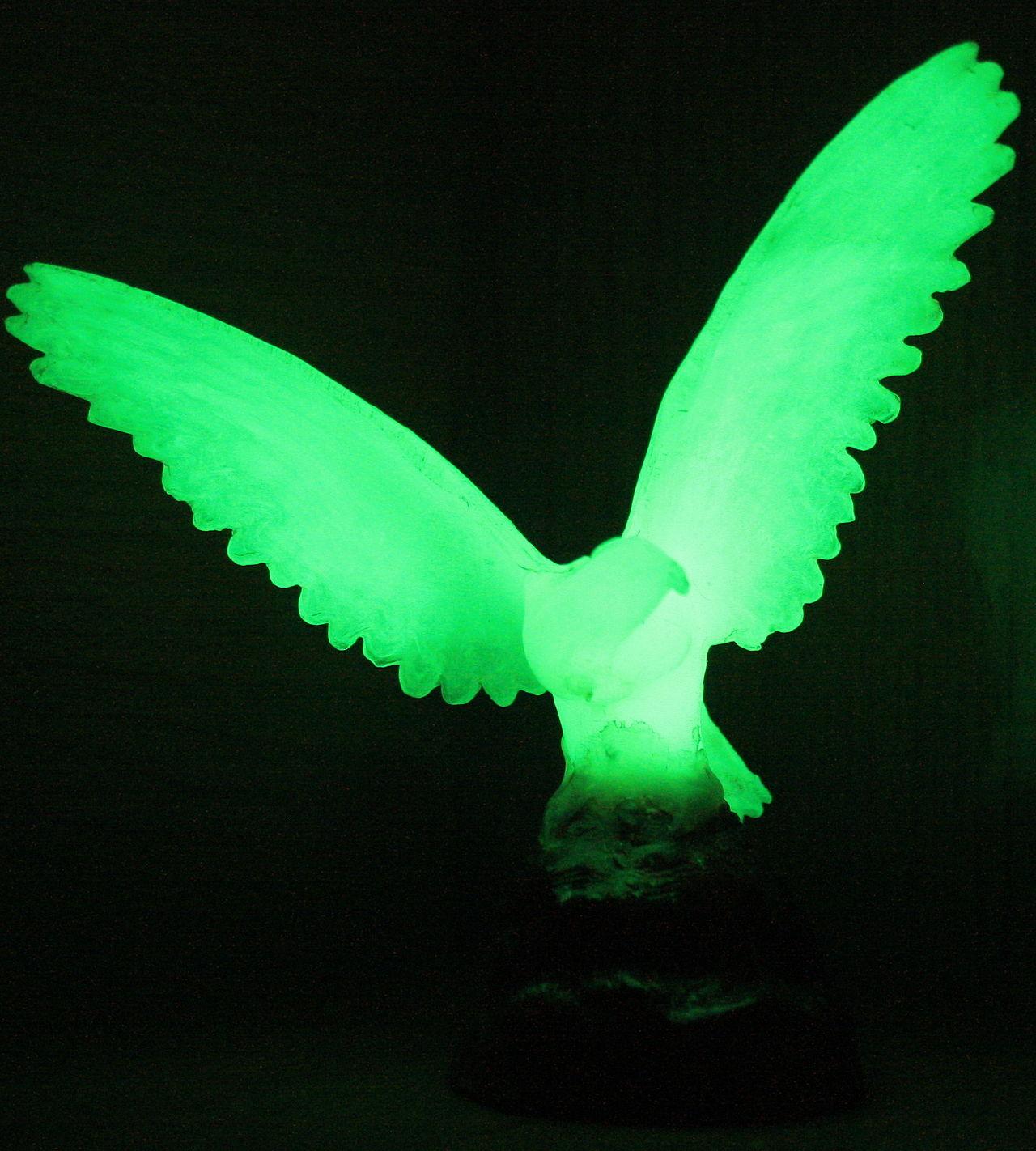 Glow in the dark bird figurine. Image credit: wikimedia user Lưu Ly, public domain.
