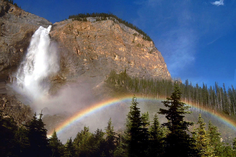 Takakkaw Falls, Yoho National Park, British Columbia, Canada. Image credit: Michael Rogers, CC BY-SA 3.0