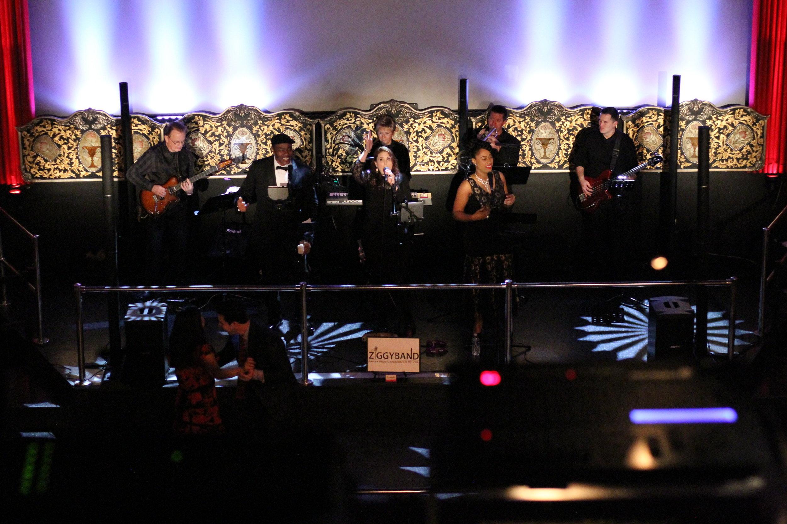 Ziggy Band @ Majestic Metro 11.JPG