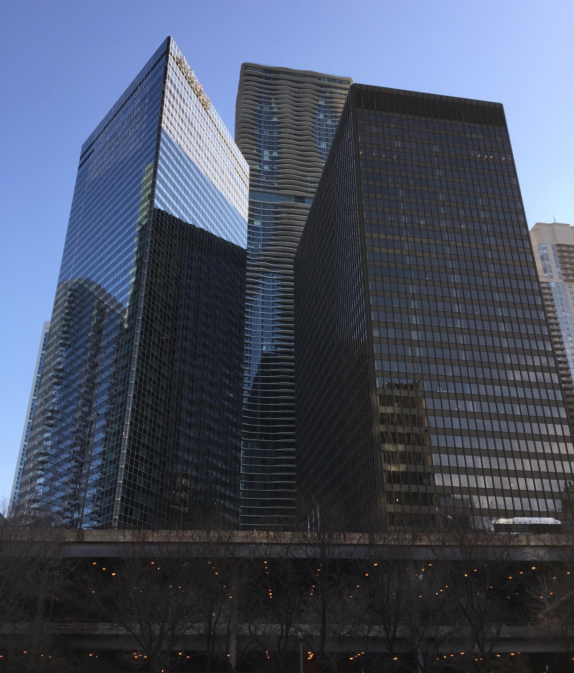 chicago-aqua-tower.jpg