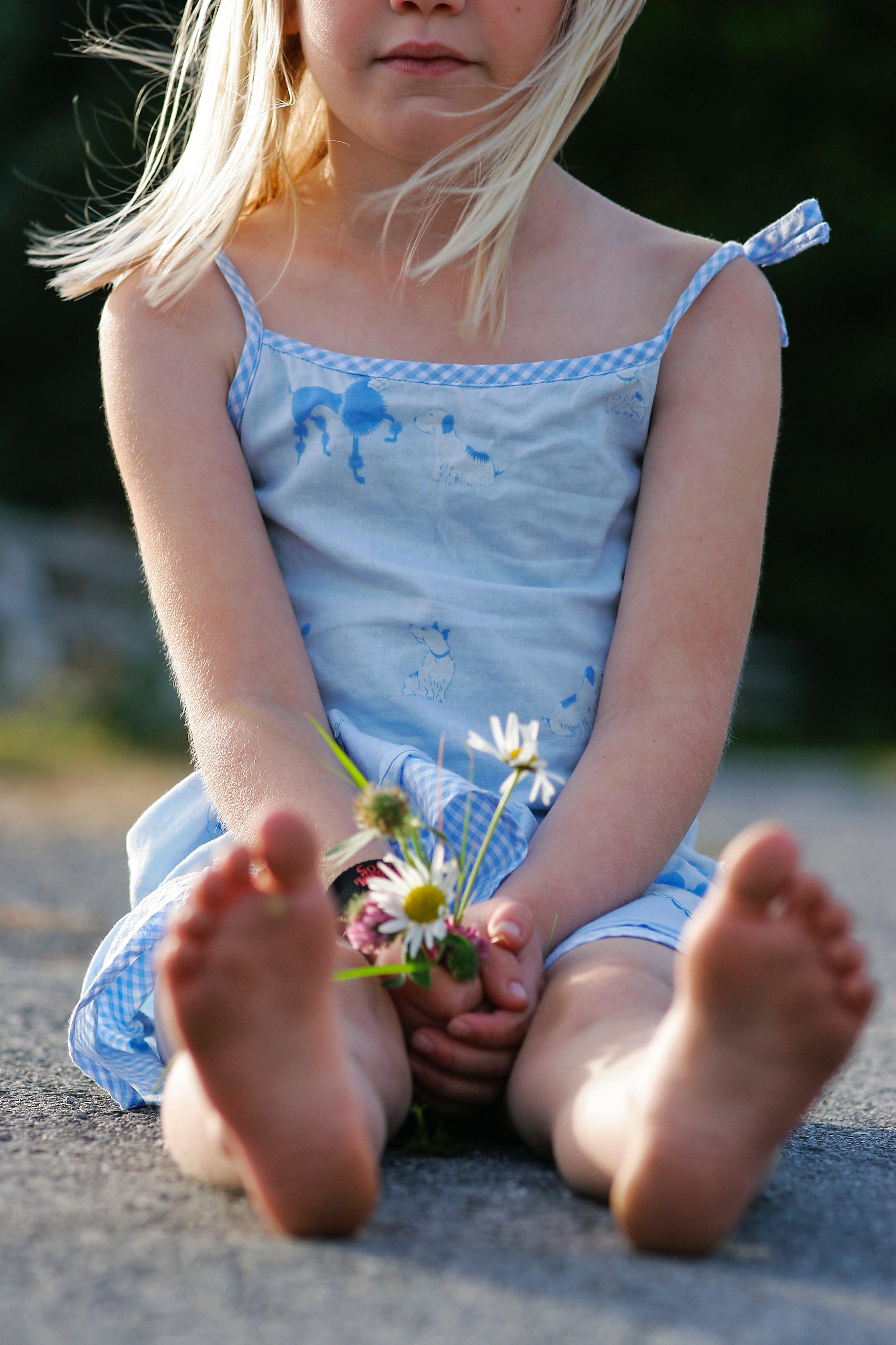 little-girl-holding-flowers.jpg