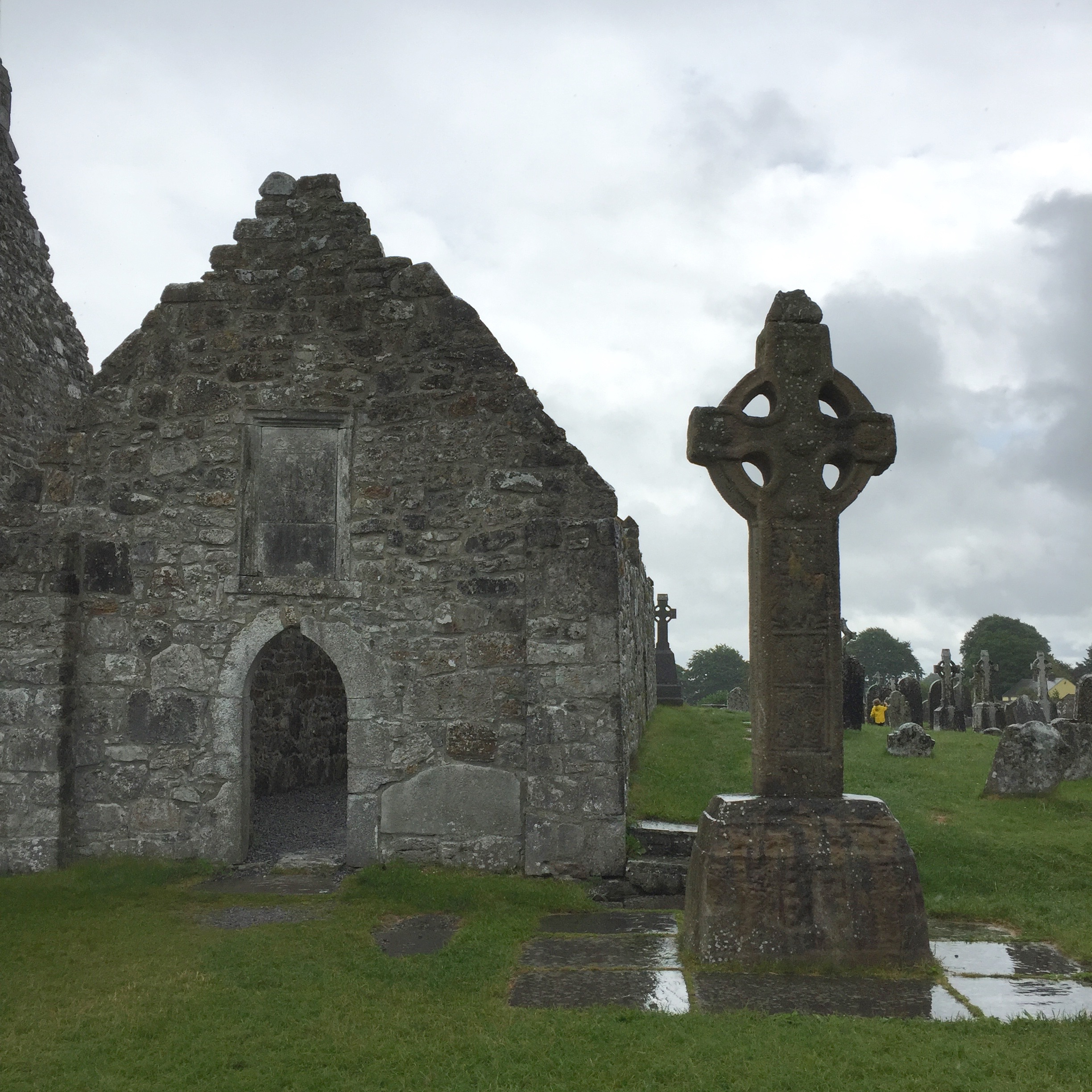 High Cross and ruins at Clonmacnoise