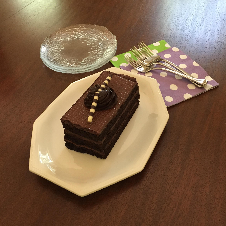 chocolate-cake-anniversary.jpg