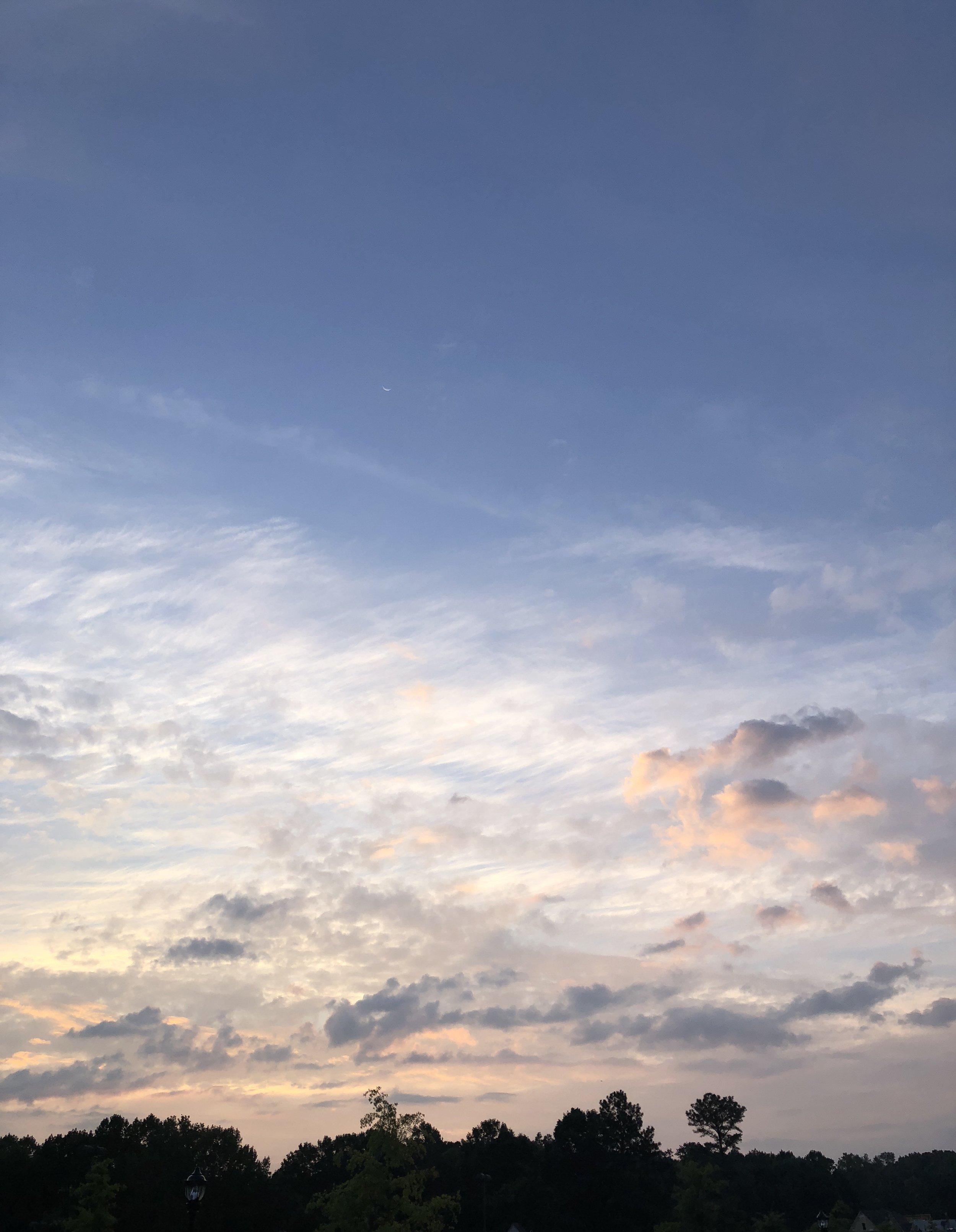 Glimsen-sunrise-clouds.jpg