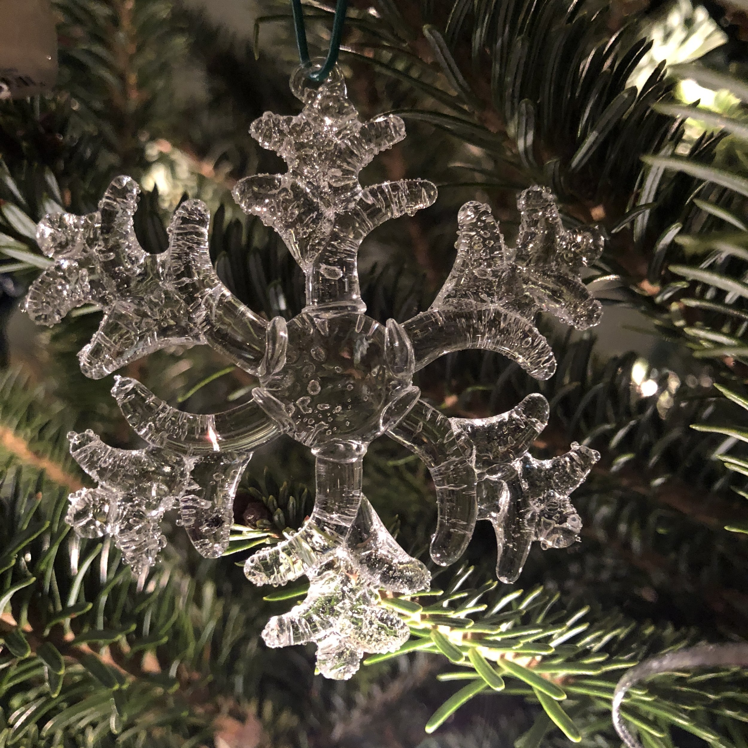 Glimsen-glass-snowflake-ornament.JPG