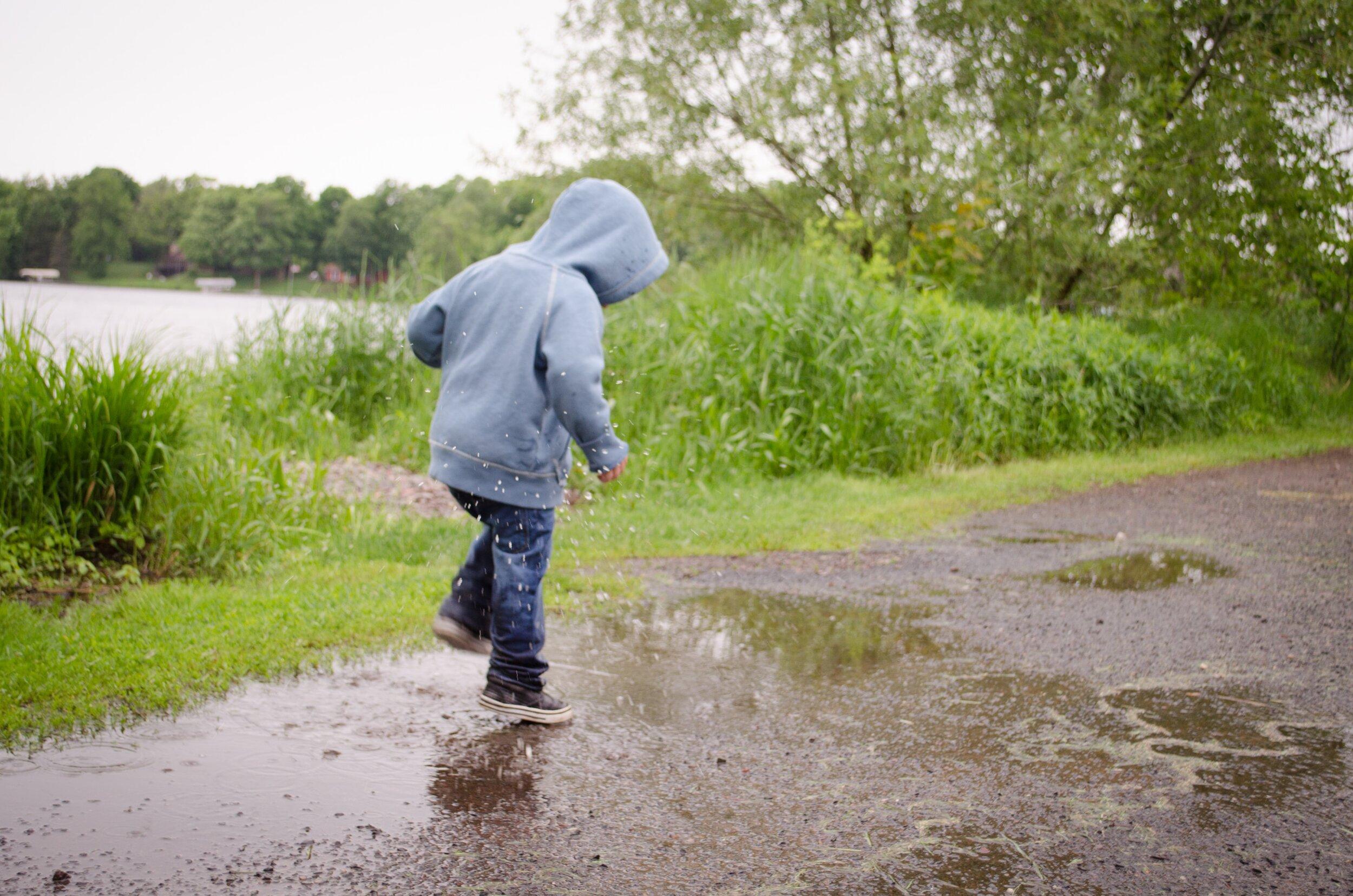 Glimsen-boy-puddle.jpg