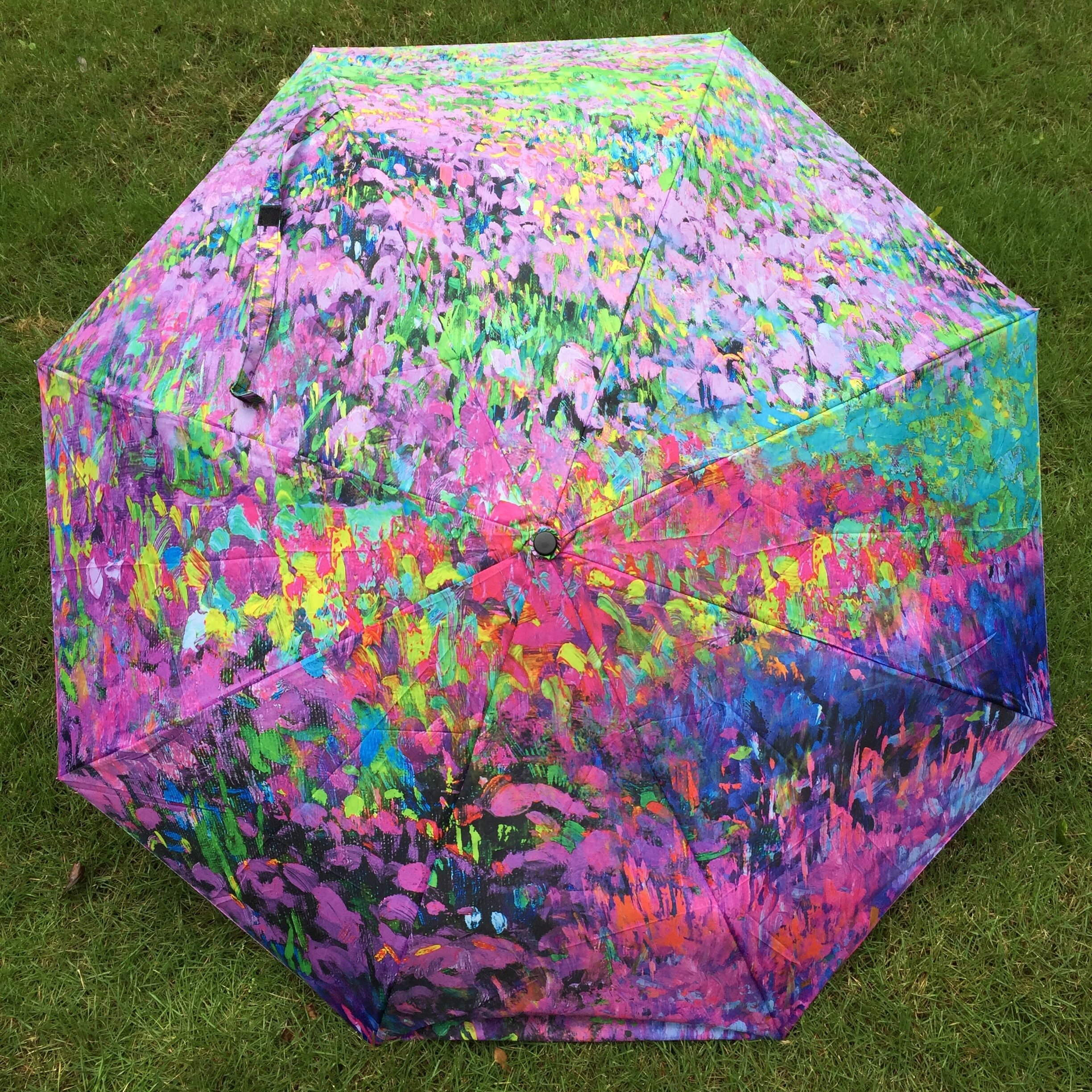 Glimsen-colorful-umbrella.jpg