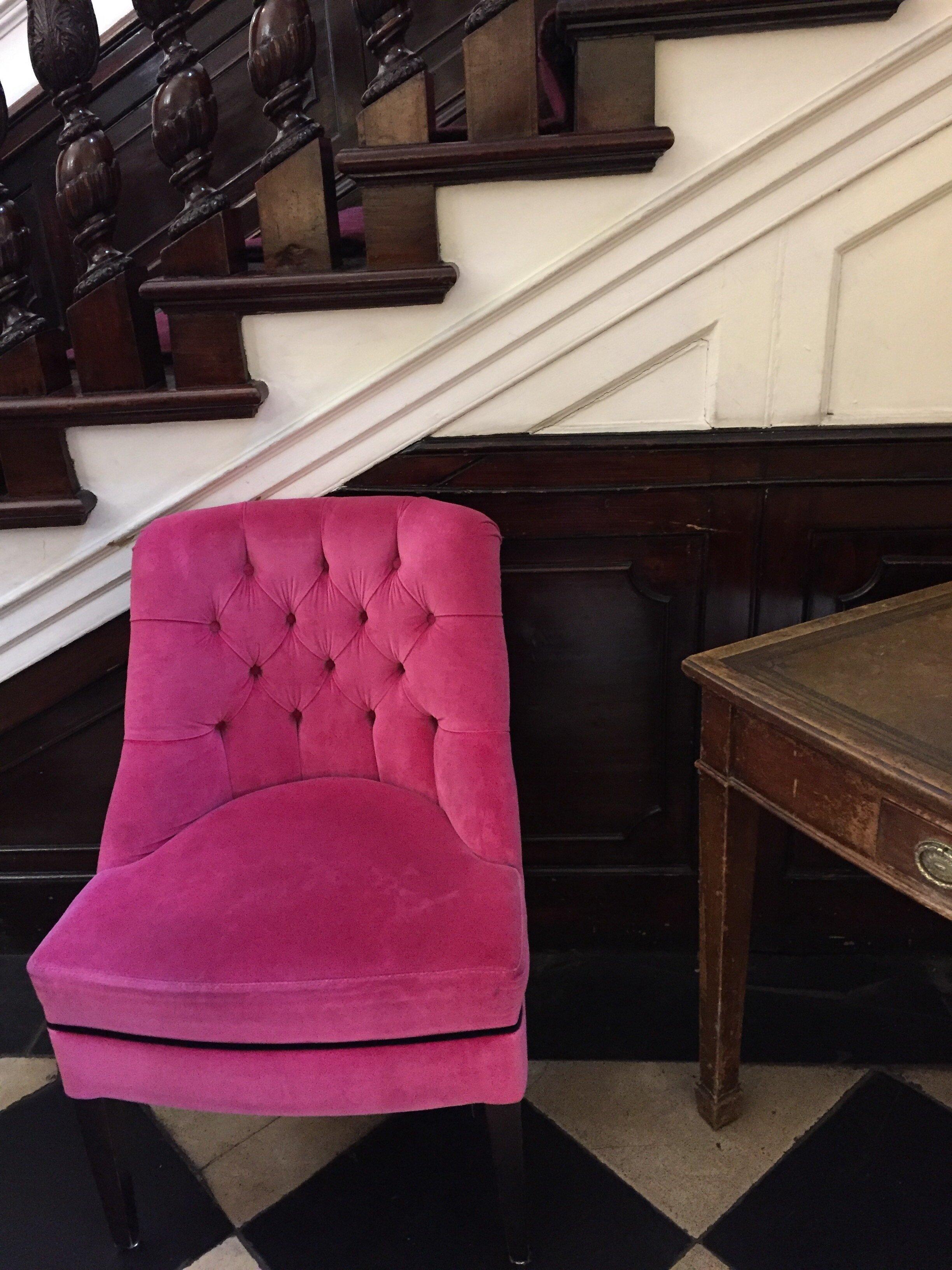 Glimsen-pink-chair.jpg