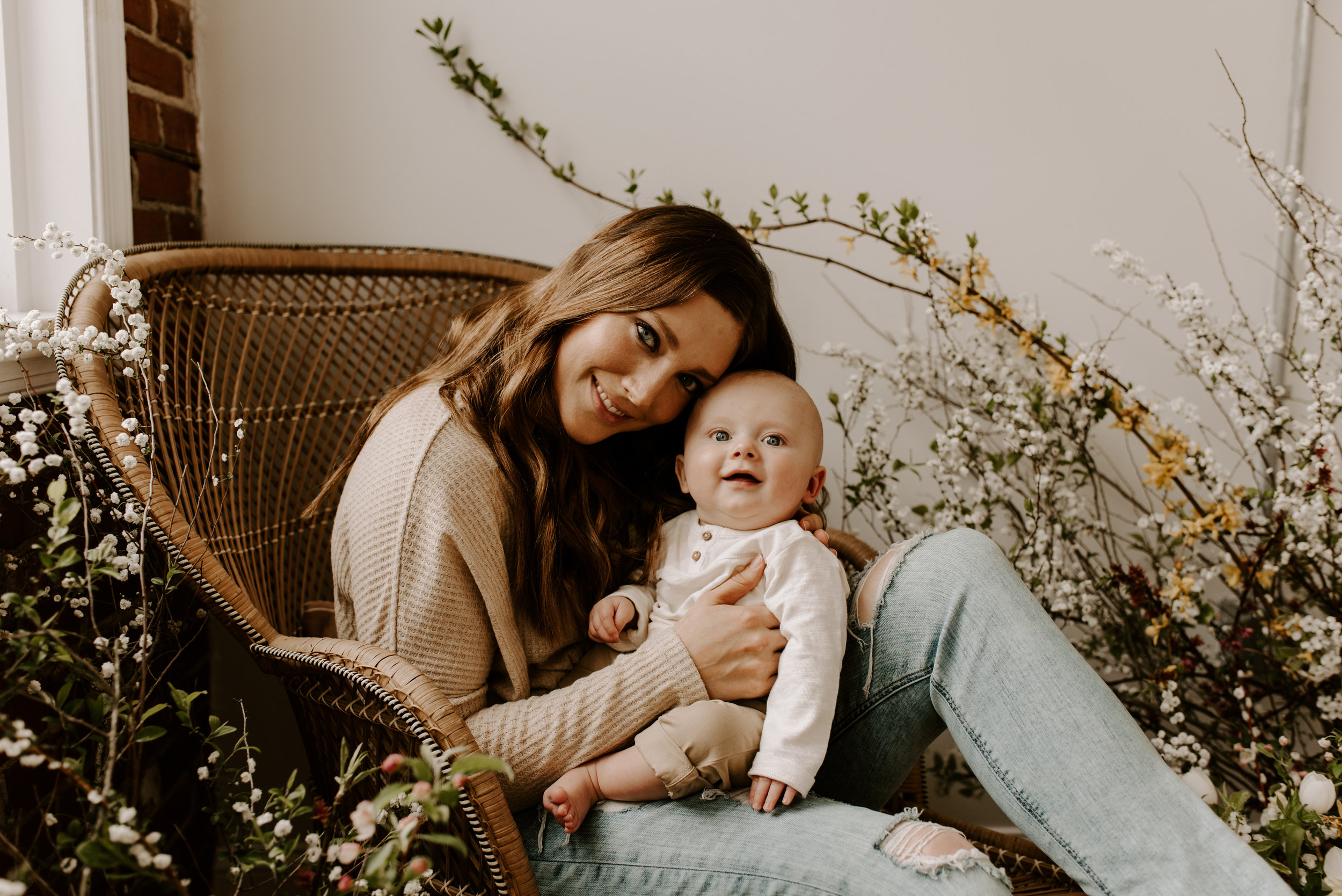 MOTHERHOOD PORTRAITS - Sincerely, The Kitchens Photography held a day of mini sessions just for mothers and it was gorgeous. Check out how we teamed up with Masterpiece Flowers to style our wicker chaise lounge.