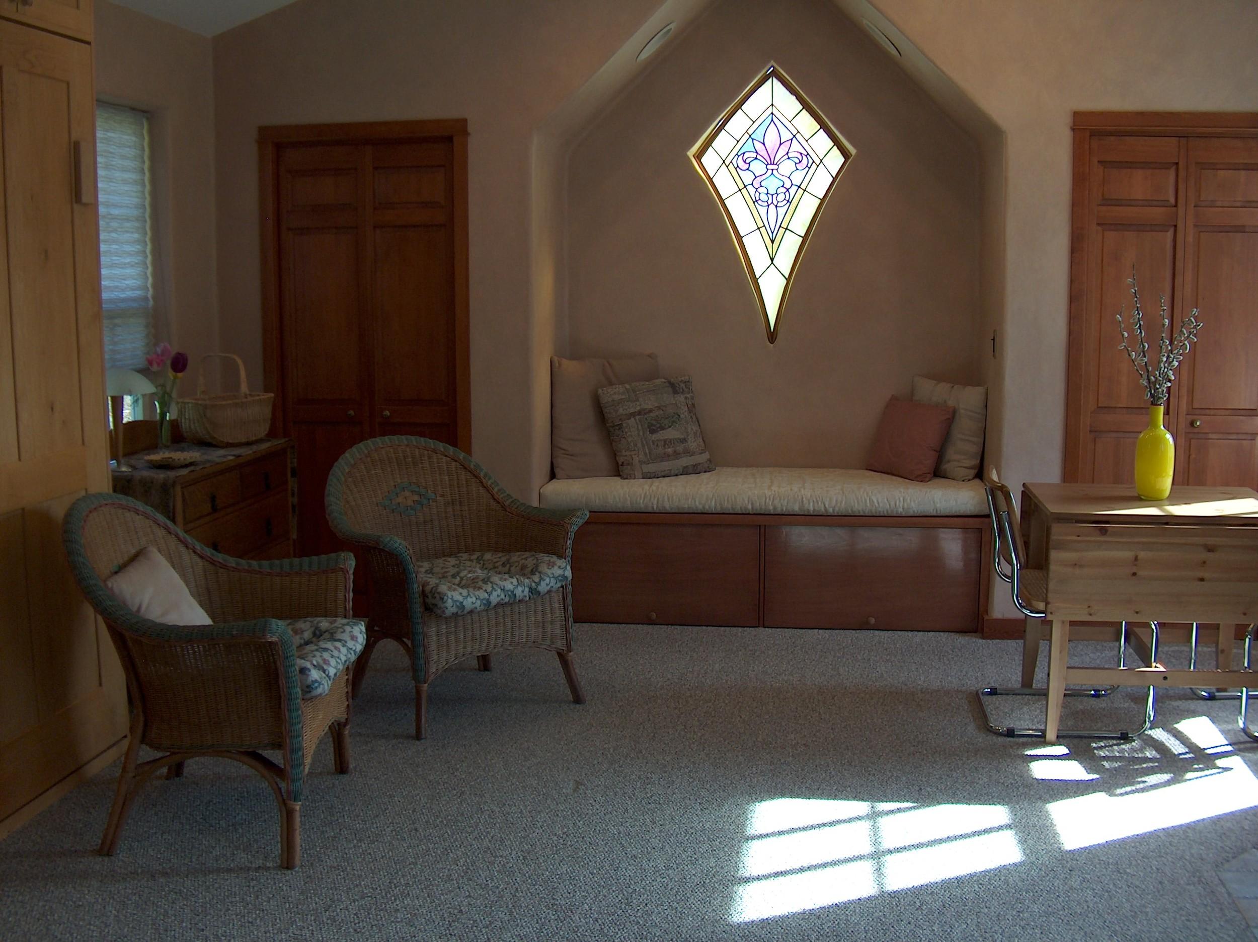 Cottage LivRoomSouth-1.jpg