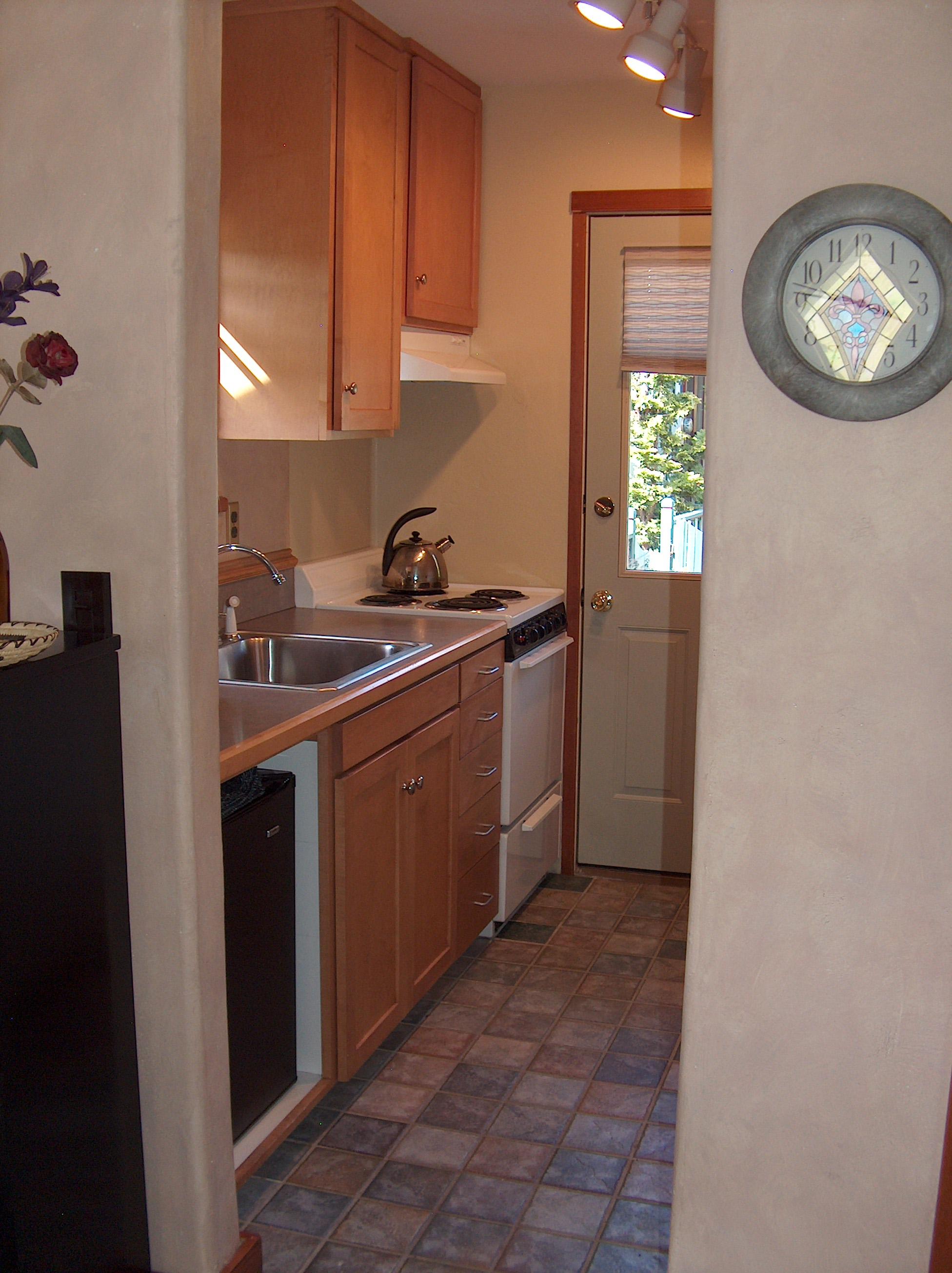 Cottage Kitchen-2.jpg