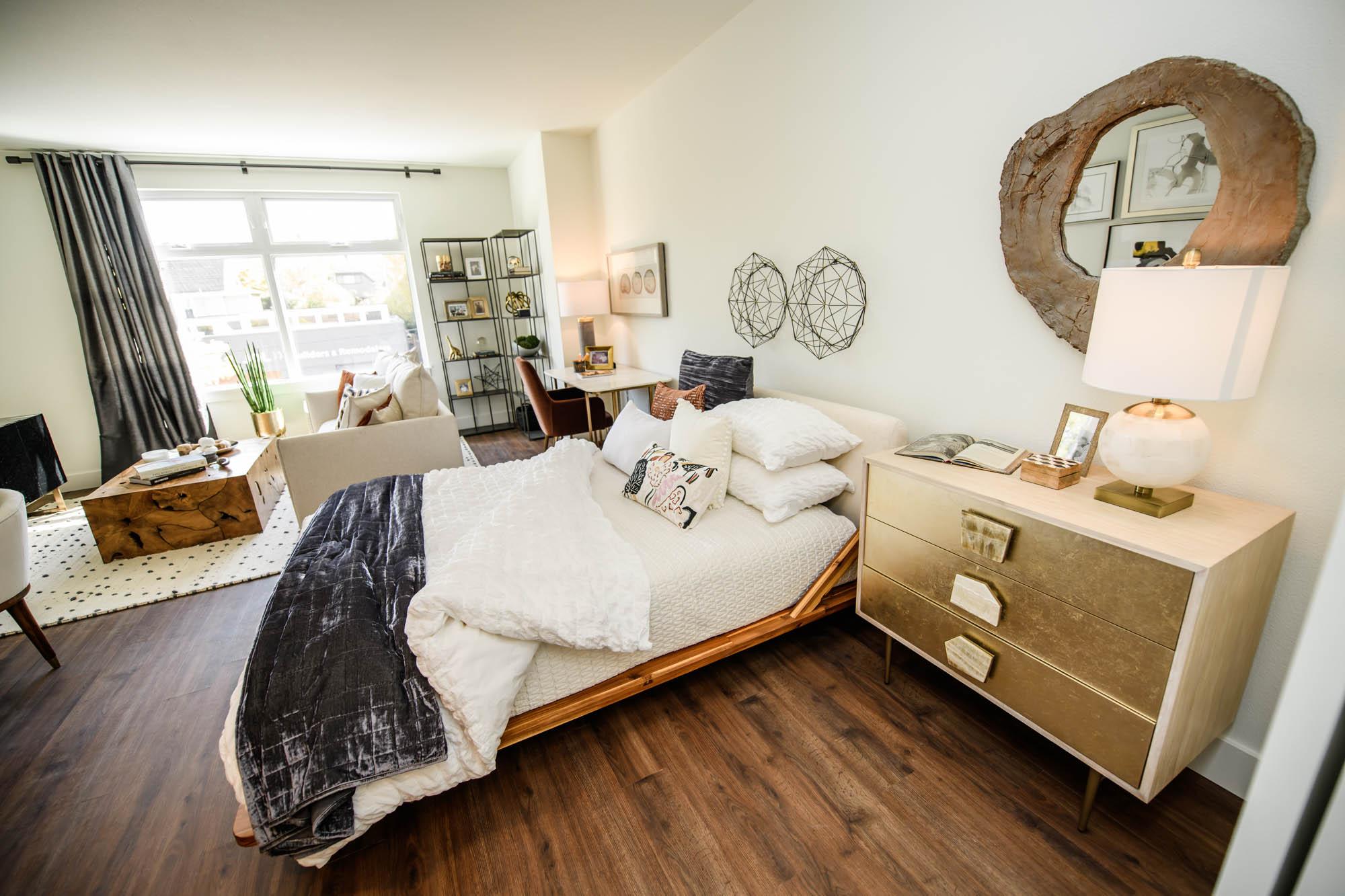Studio bedroom and living room