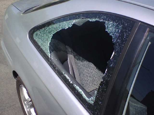 car-window-broken.jpg