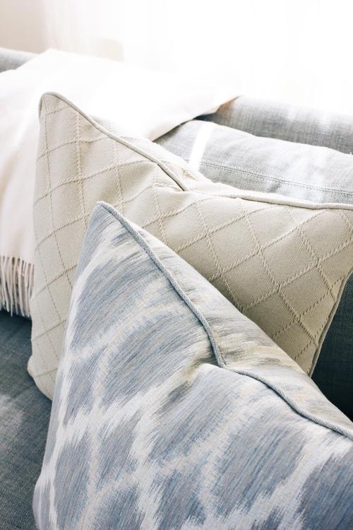 pillow-details.jpg