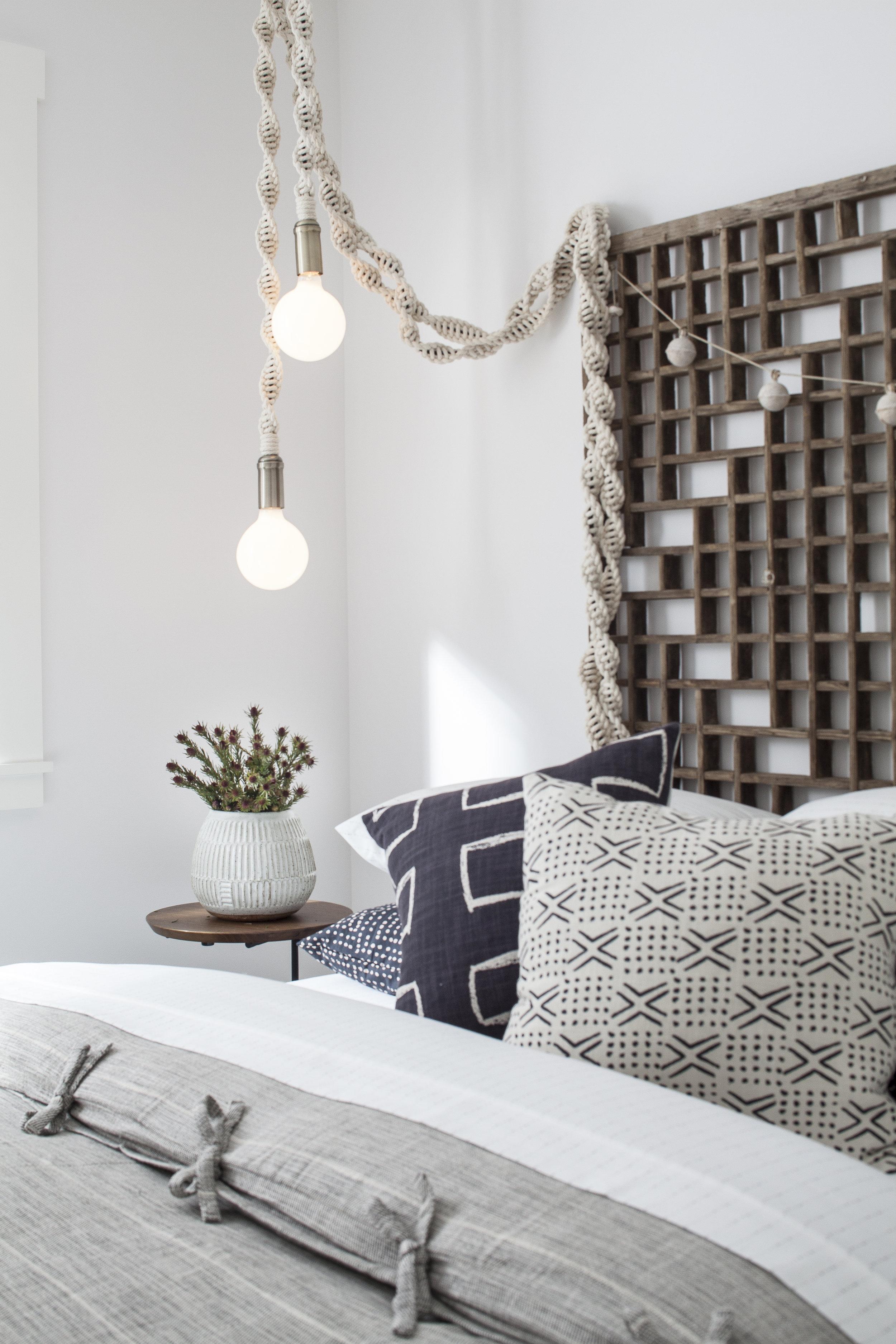 seaside-bungalow-gbedroom-detail.jpg