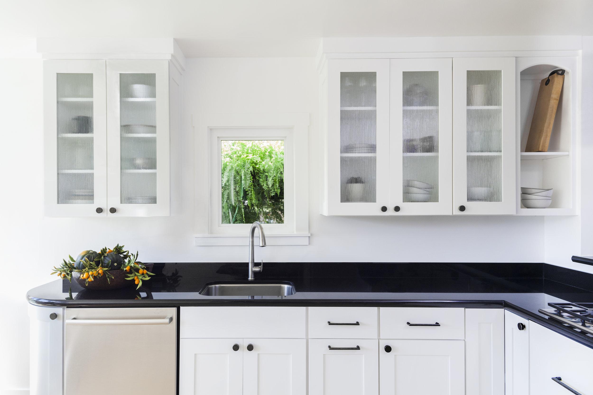 seaside-bungalow-kitchen.jpg