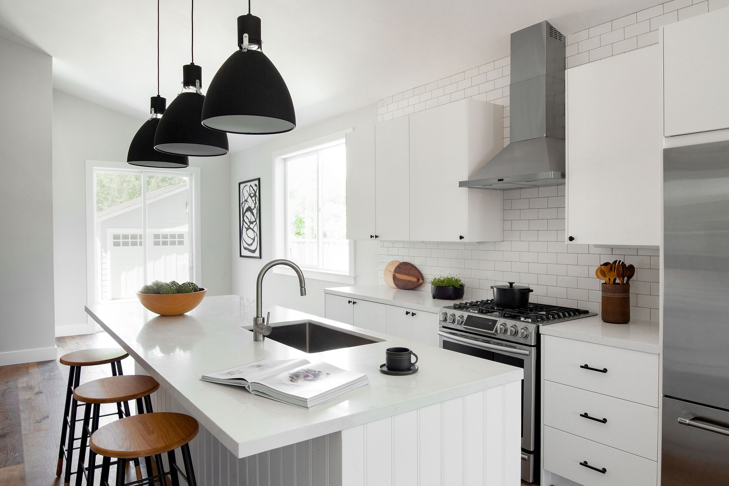 modern-farmhouse-kitchen.jpg