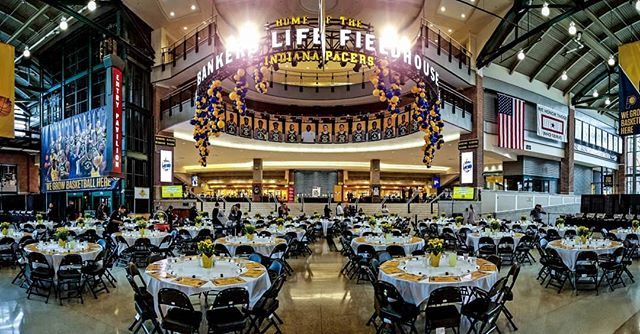 "It's our 8th year at the Indiana Pacers' amazing ""Come To Our House"" Thanksgiving Dinner at Banker's Life Fieldhouse!  #freezeframez #indianapacers #thanksgiving #usfoods"