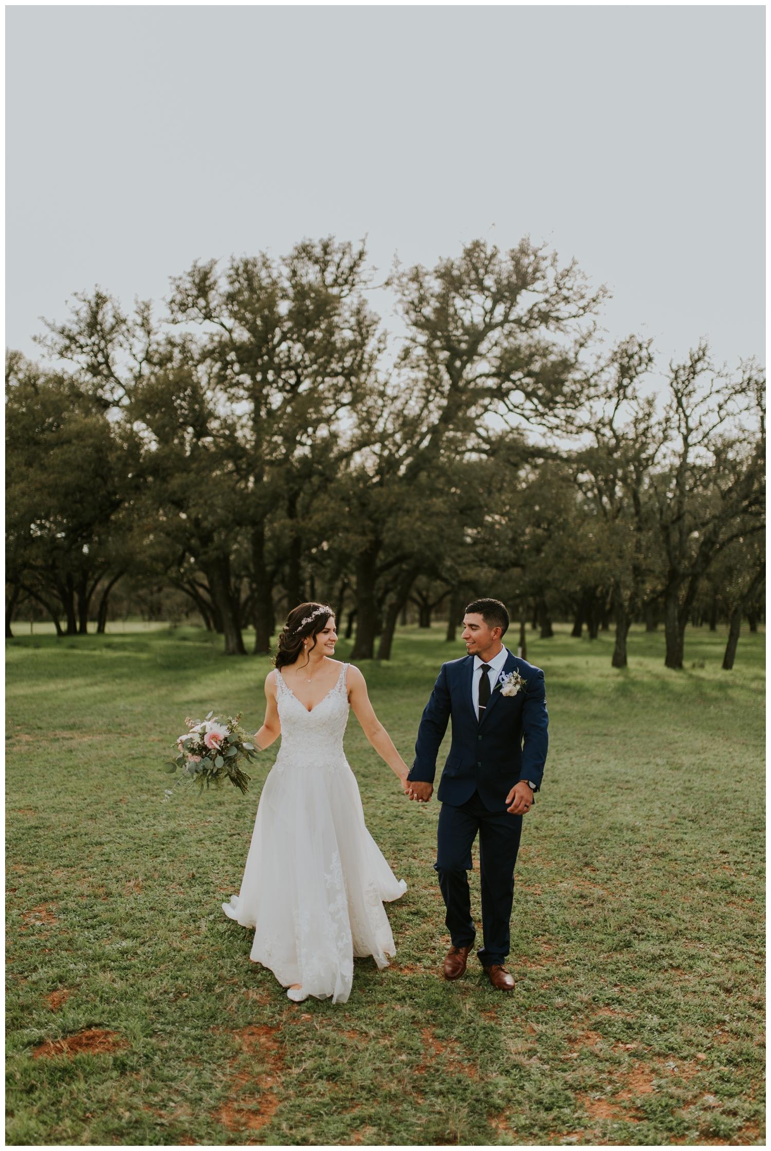 Ashlee+Mike, Featherstone Ranch Spring Wedding, San Antonio, Contista Productions Wedding Photography_0012.jpg
