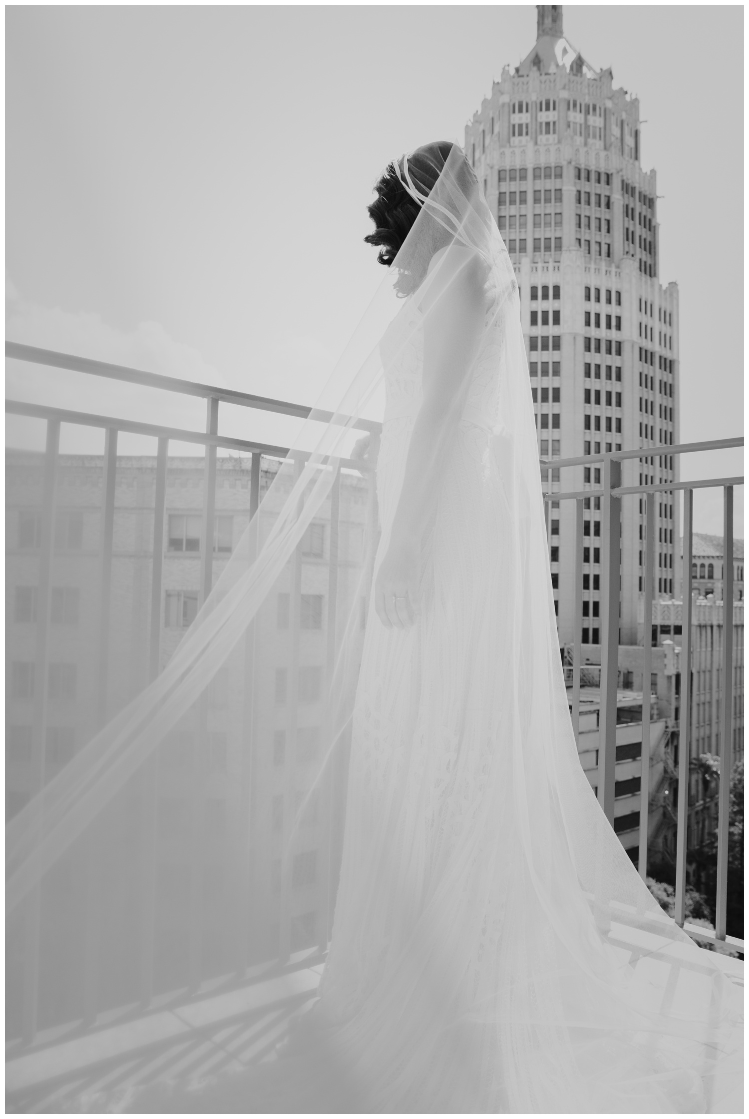 Ana + Sean || Jack Guenther Pavilion at the Briscoe Wedding San Antonio, Texas (Joshua and Parisa – Contista Productions)_0031.jpg