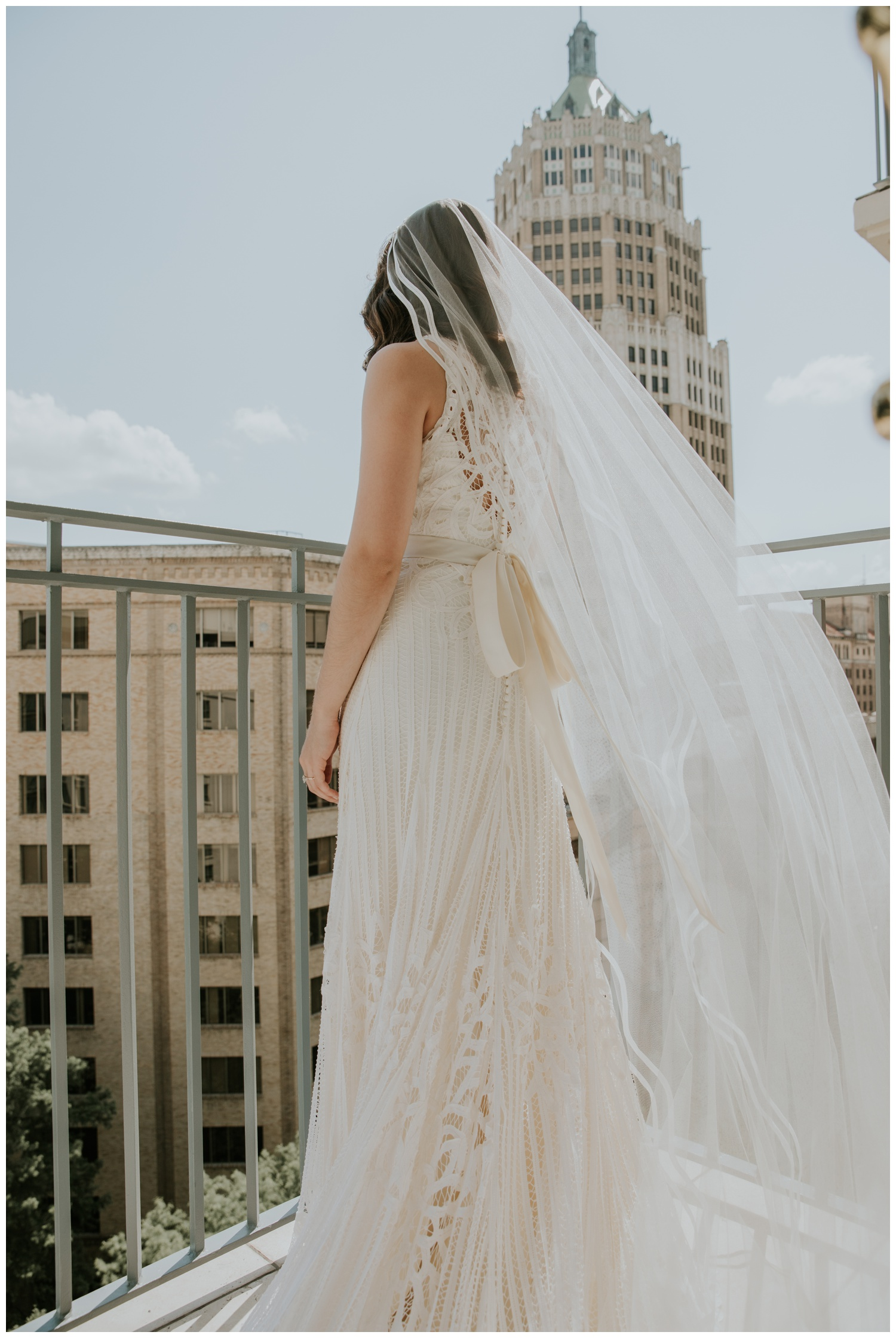 Ana + Sean || Jack Guenther Pavilion at the Briscoe Wedding San Antonio, Texas (Joshua and Parisa – Contista Productions)_0030.jpg