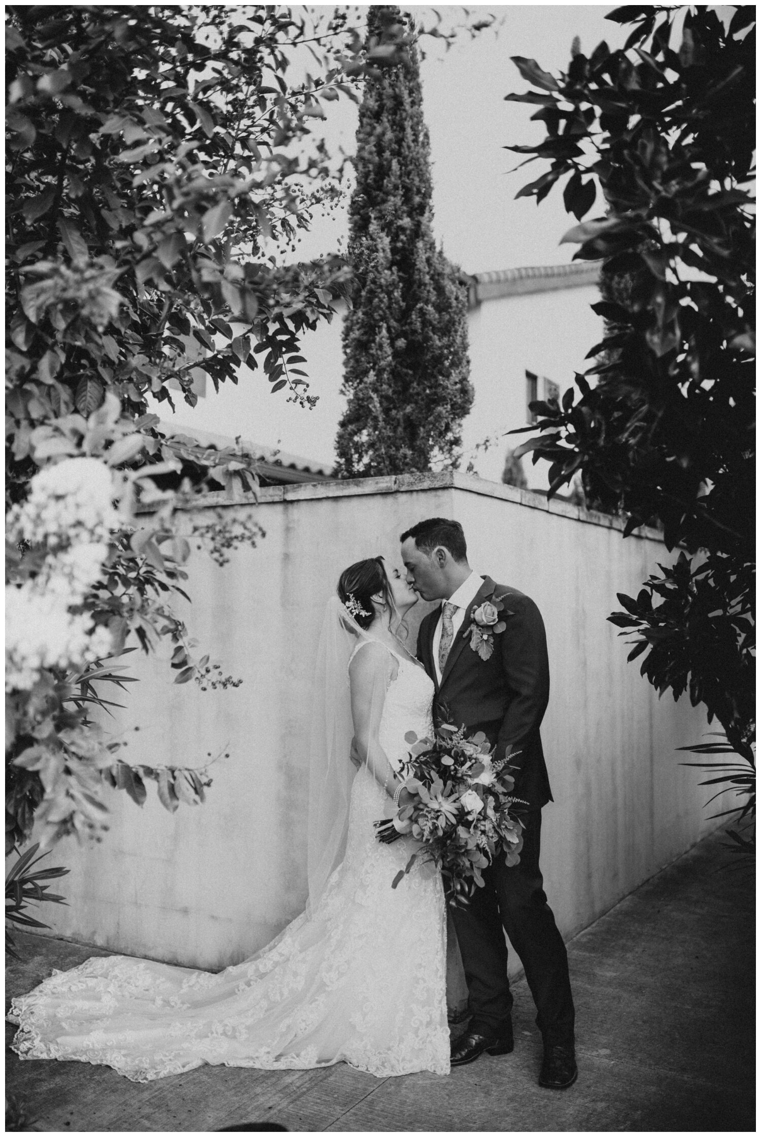 Modern Wedding at Ma Maison in Dripping Springs, Austin, Texas (Joshua and Parisa – Austin Wedding Photographer)_0051.jpg