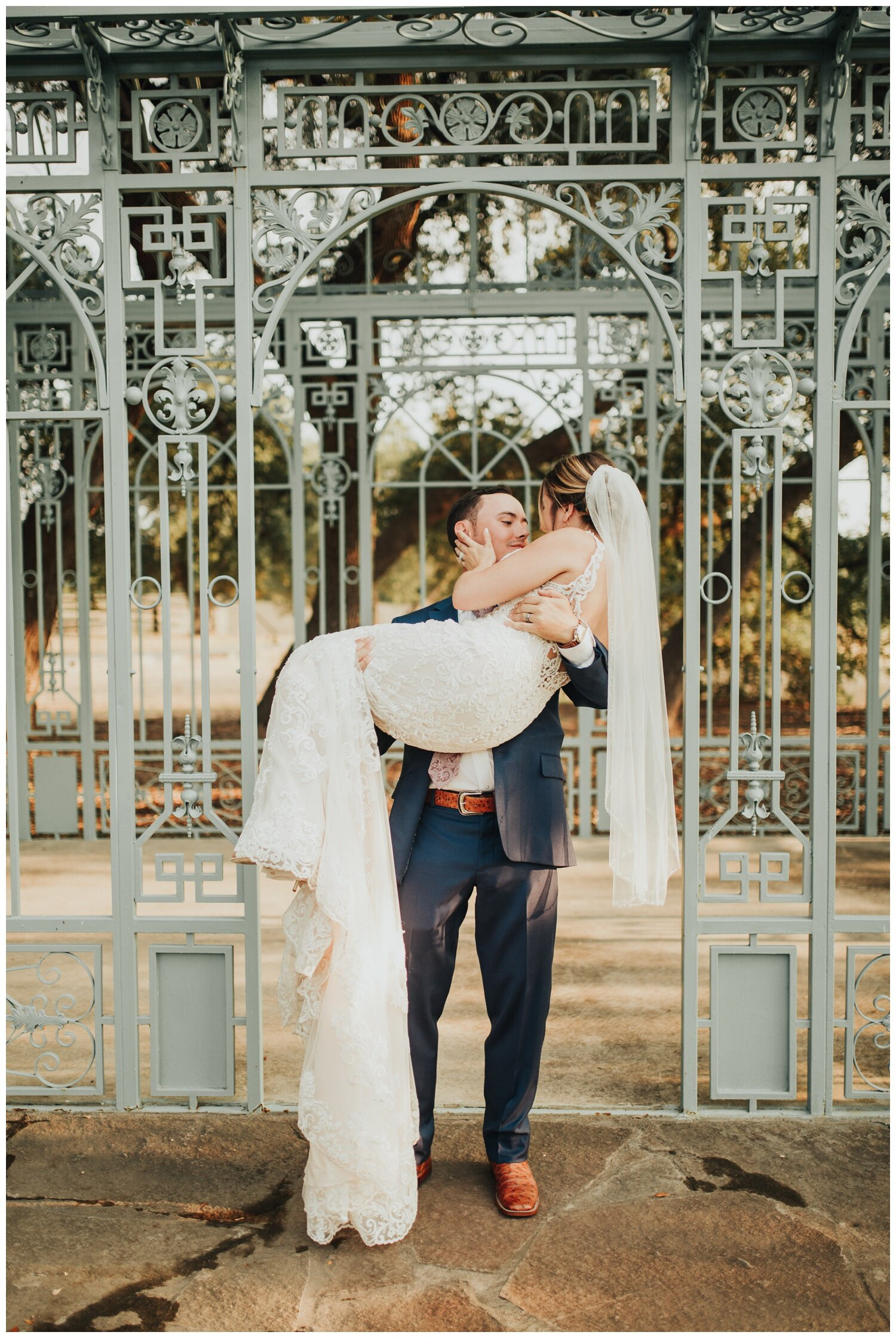 Modern Wedding at Ma Maison in Dripping Springs, Austin, Texas (Joshua and Parisa – Austin Wedding Photographer)_0056.jpg