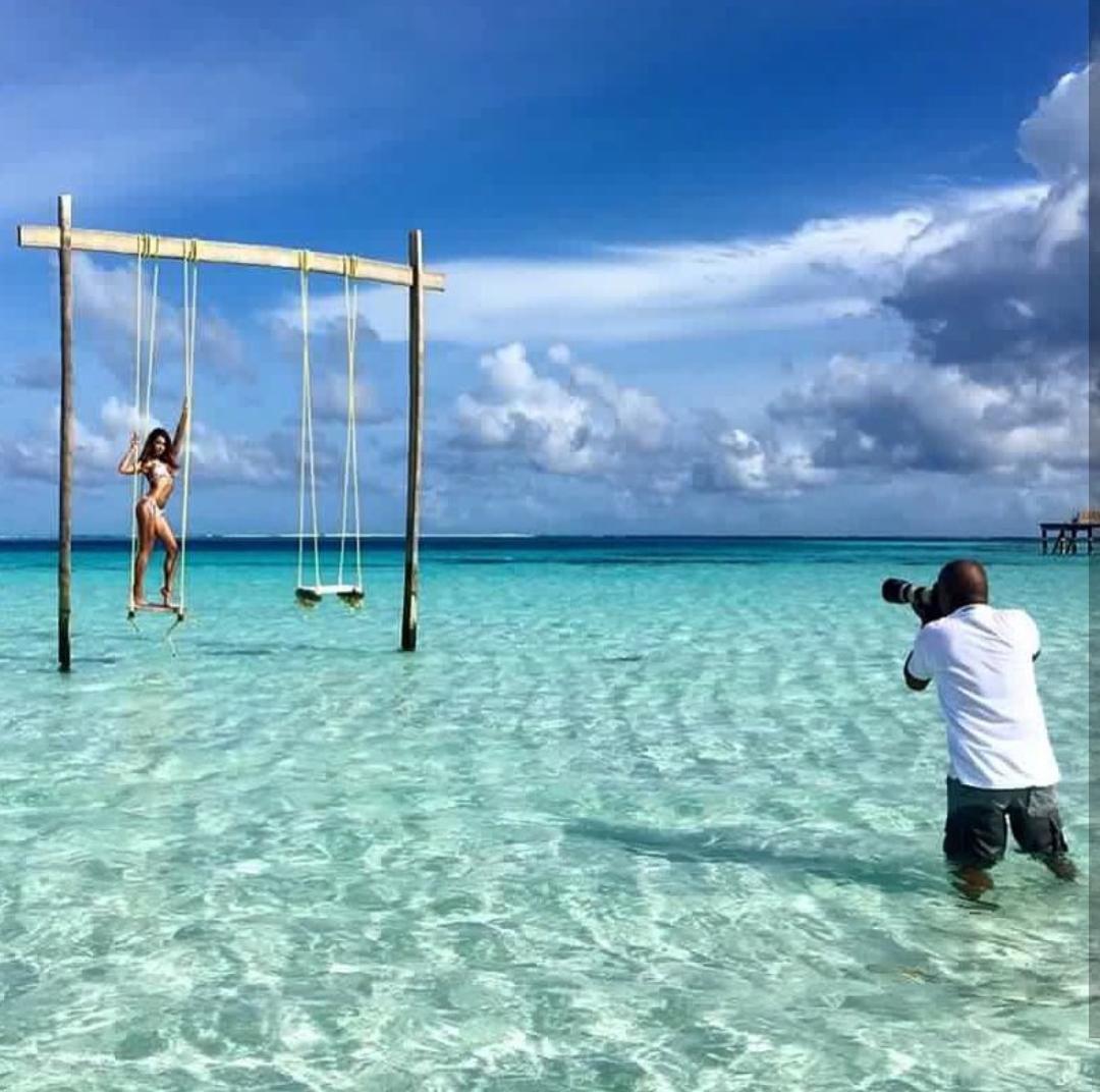 Book as Photographer Maldives.jpg