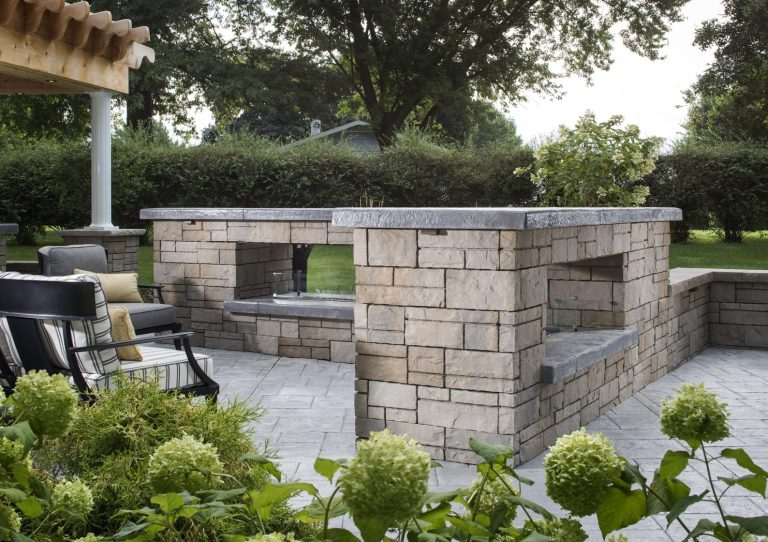 NFD_WEST_BEL2016_RES_Fireplace_Wall_TandemWall_001_preview-e1512516423429.jpg