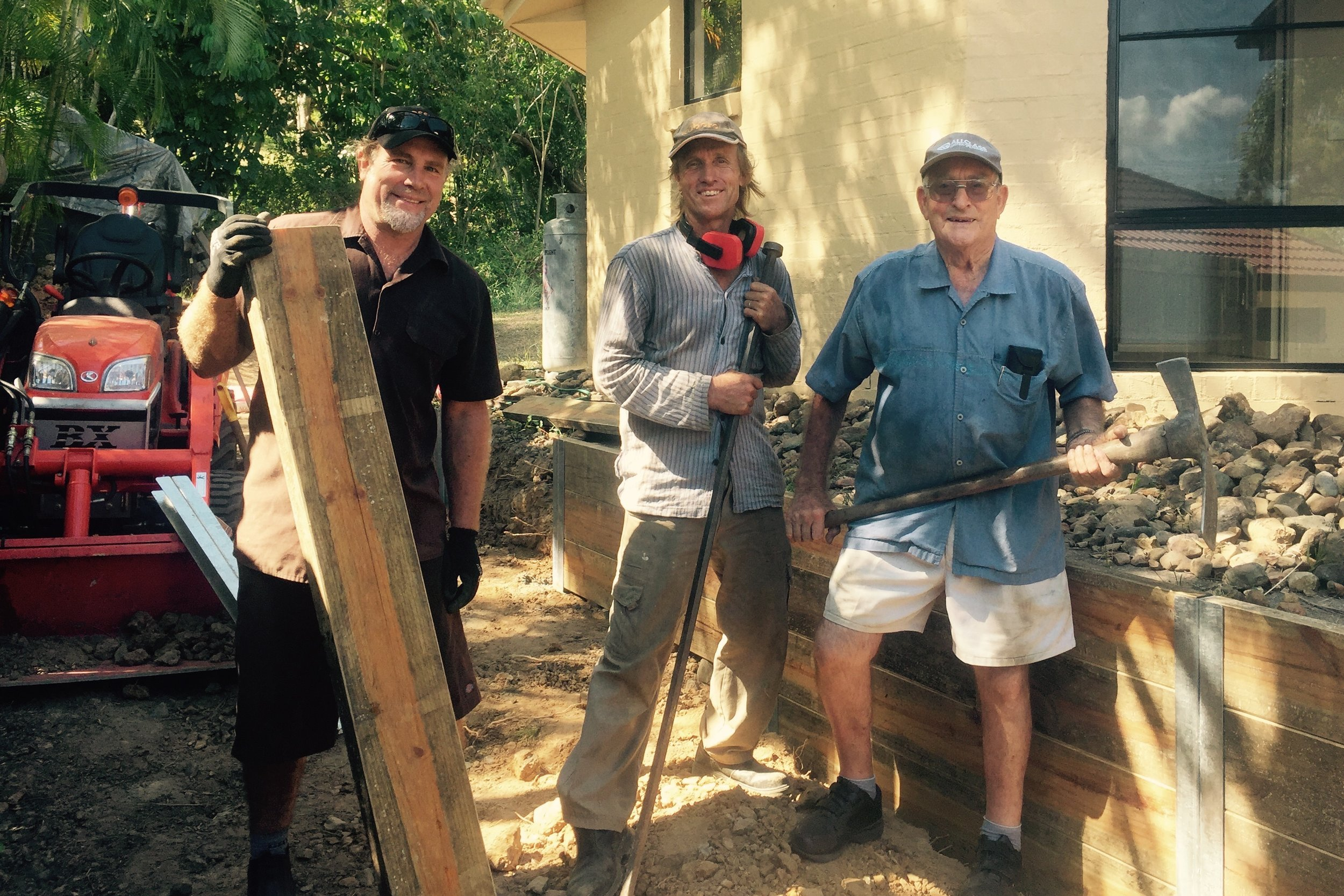 Pictured: Steve with Warwick Grace and father Ced Grace hard at work doing what blokes do well... hard yakka!!