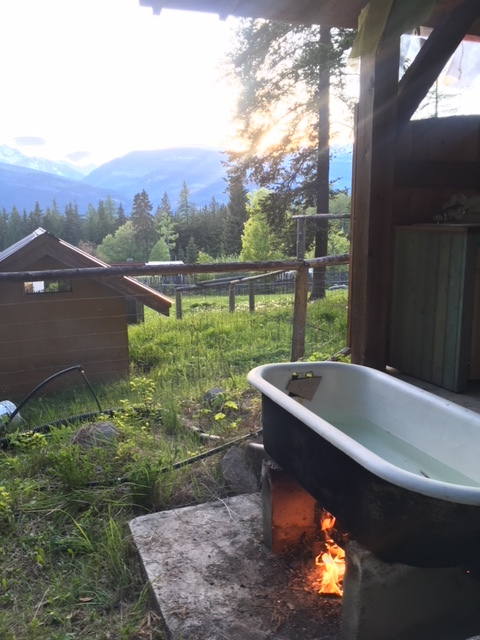 Take in the mountains beauty while having an outdoor bath.