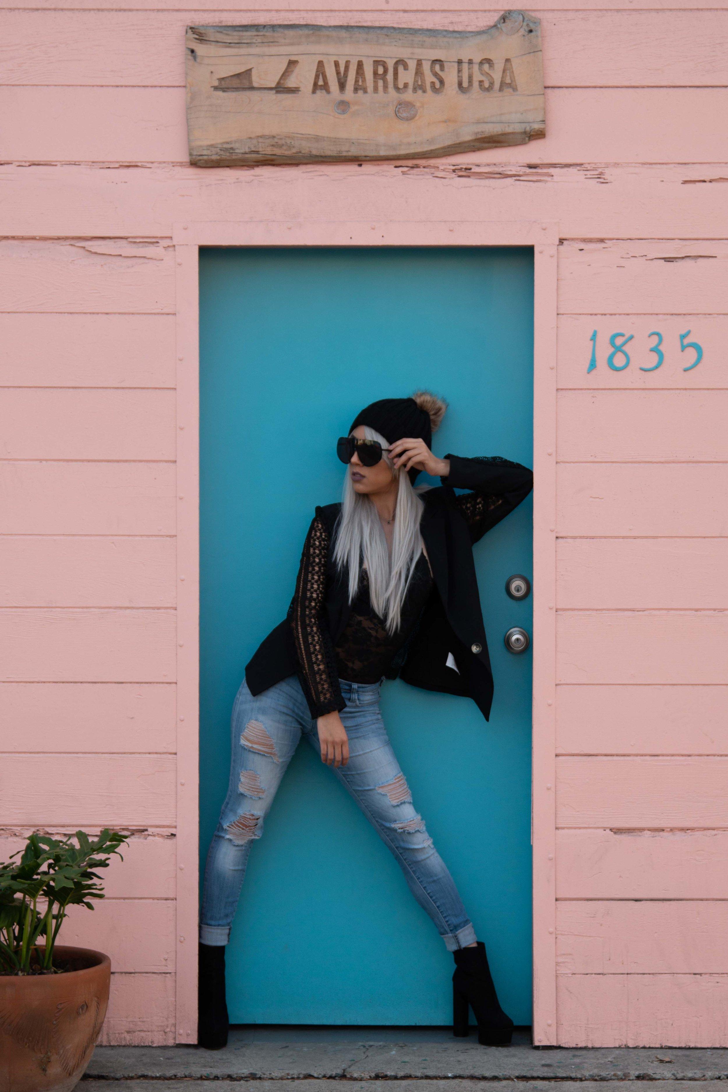 Ariana - B.jpg