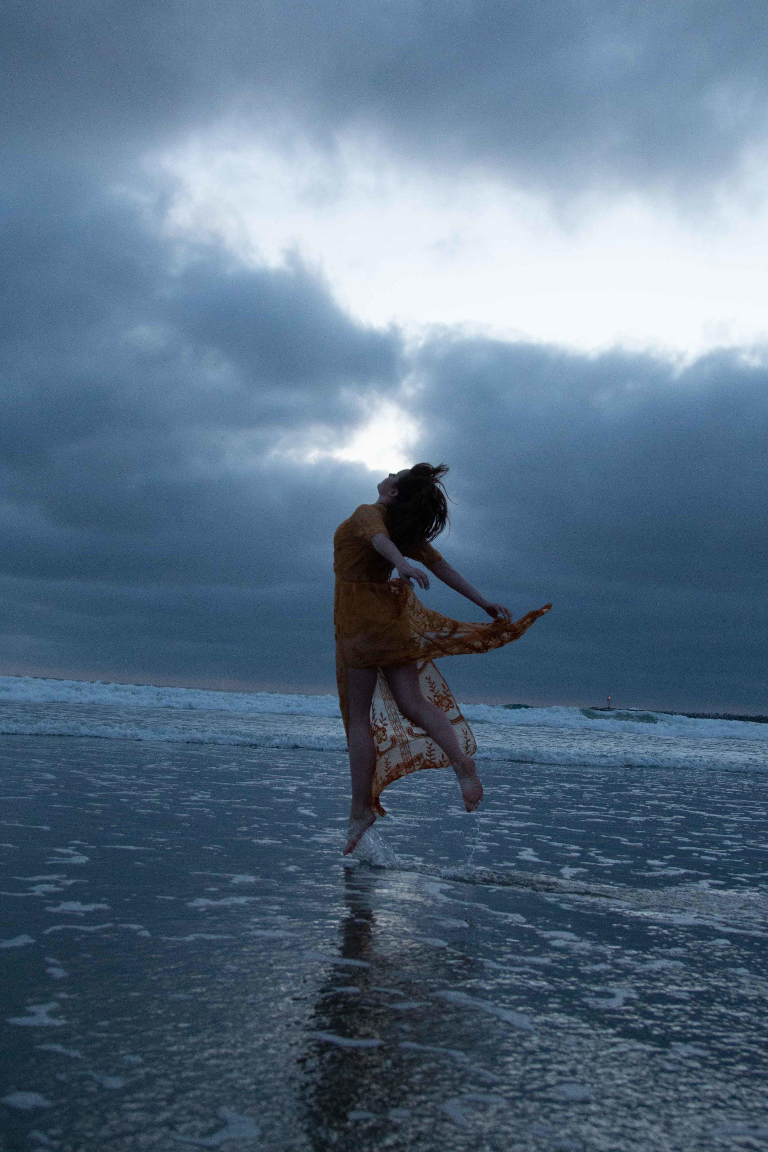 Levitation Emily - B.jpg
