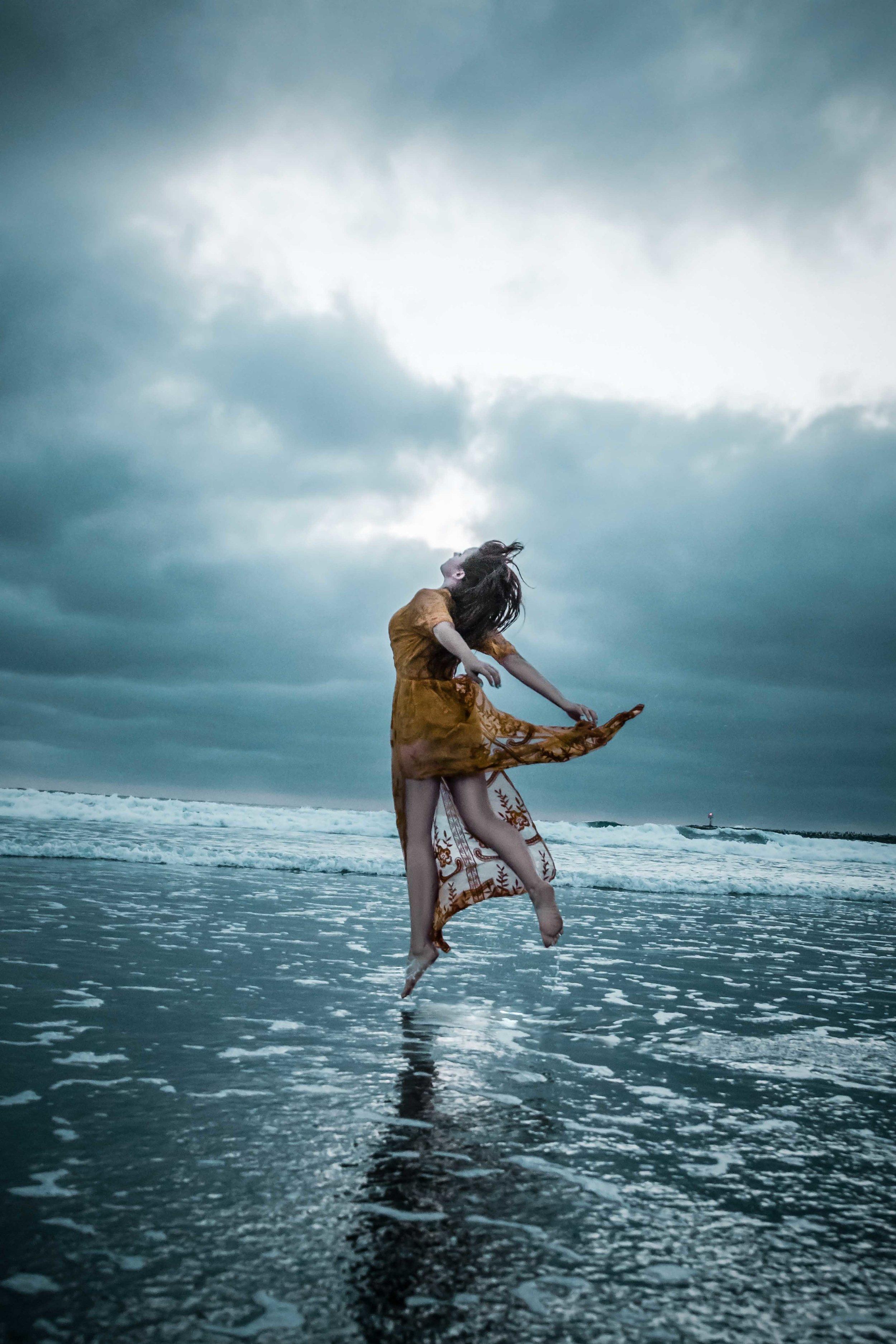 Levitation Emily - A.jpg
