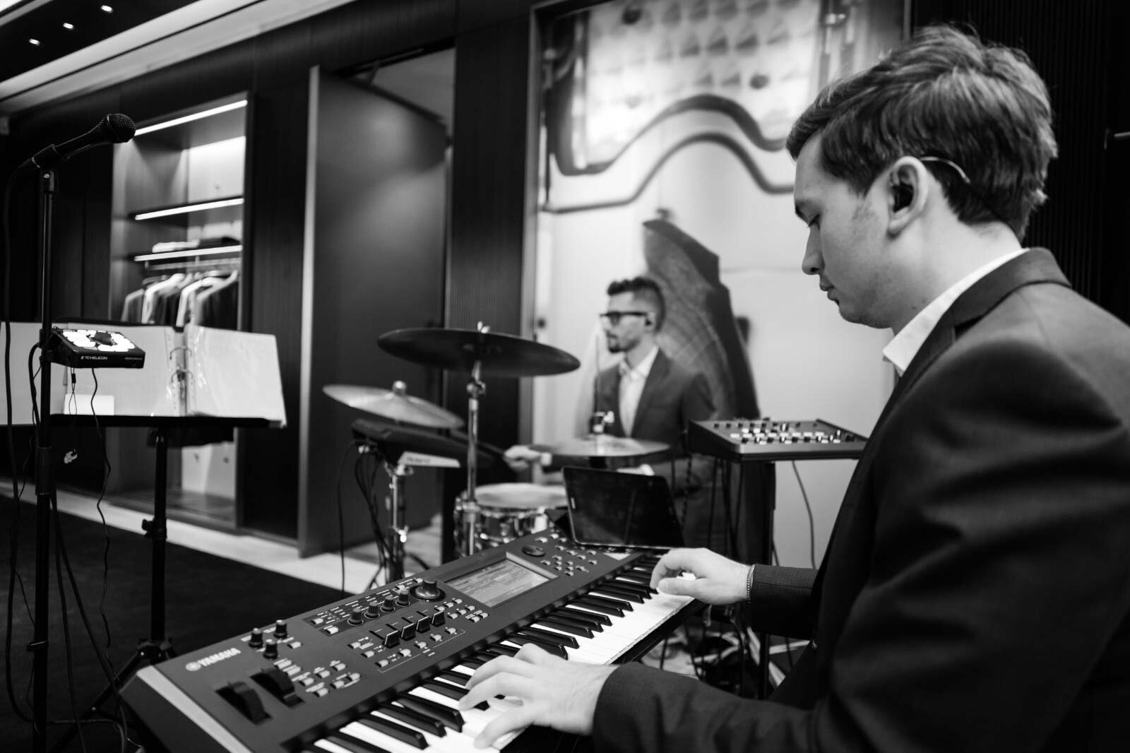 Limavera live band playing at the Brioni Munich Store 2019, © Cem Czerwionke