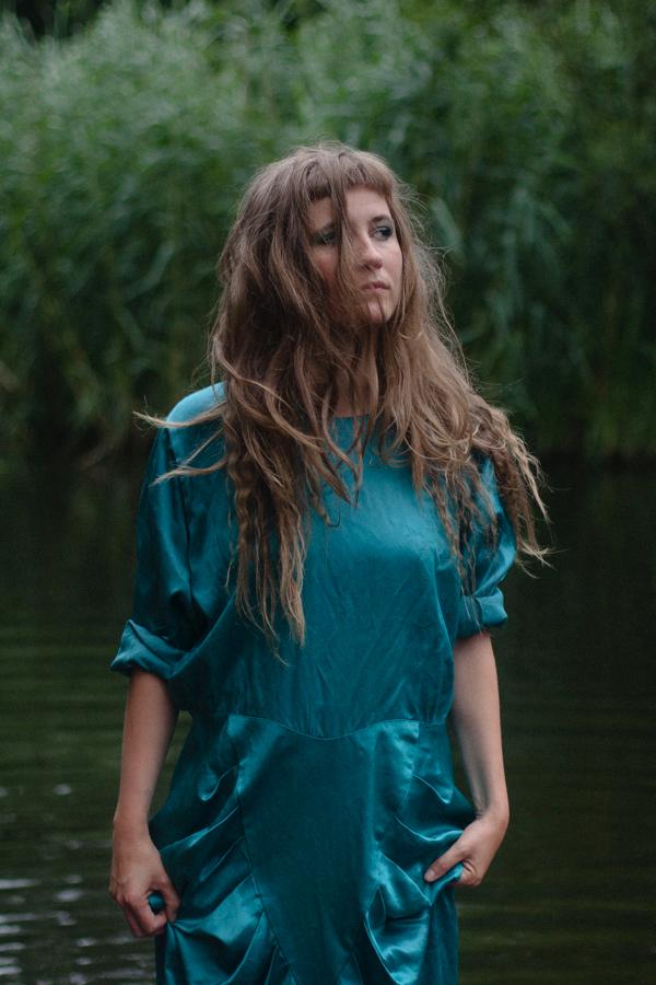 Synne Sanden - artist, singer-songwriter | pop, electro-acoustic