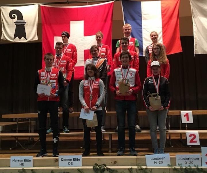Podest an den Schweizermeisterschaften im Nacht-OL. Foto: zvg
