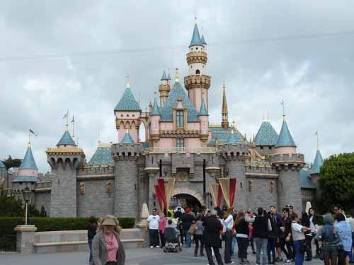 Disneyland-Cinderella-Castle