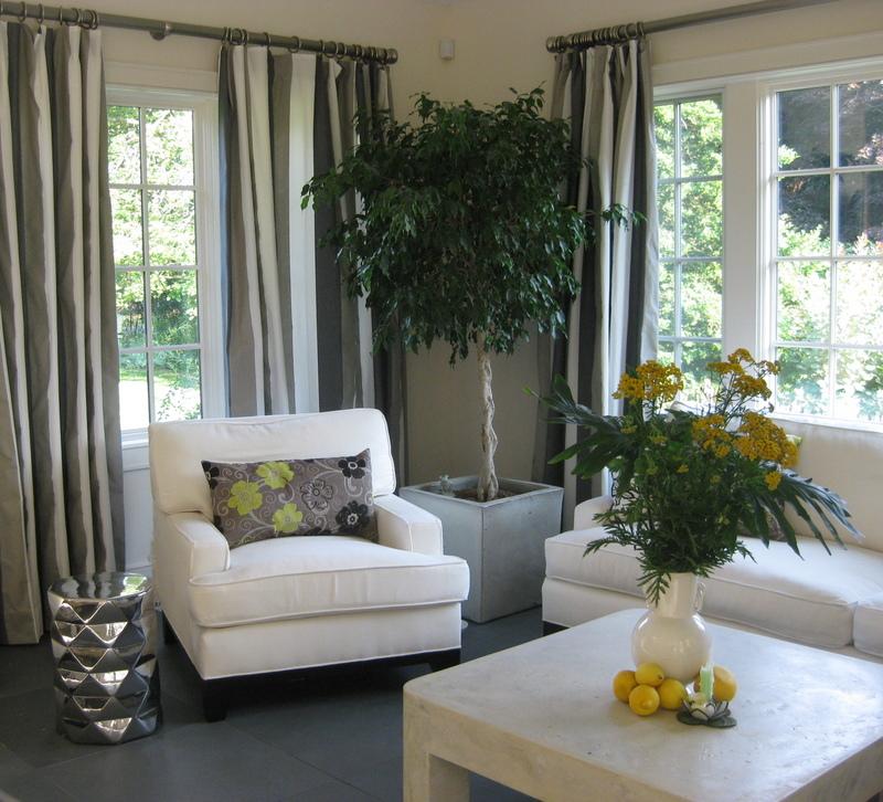 Hamptons living room both elegant & casual. Neutrals!
