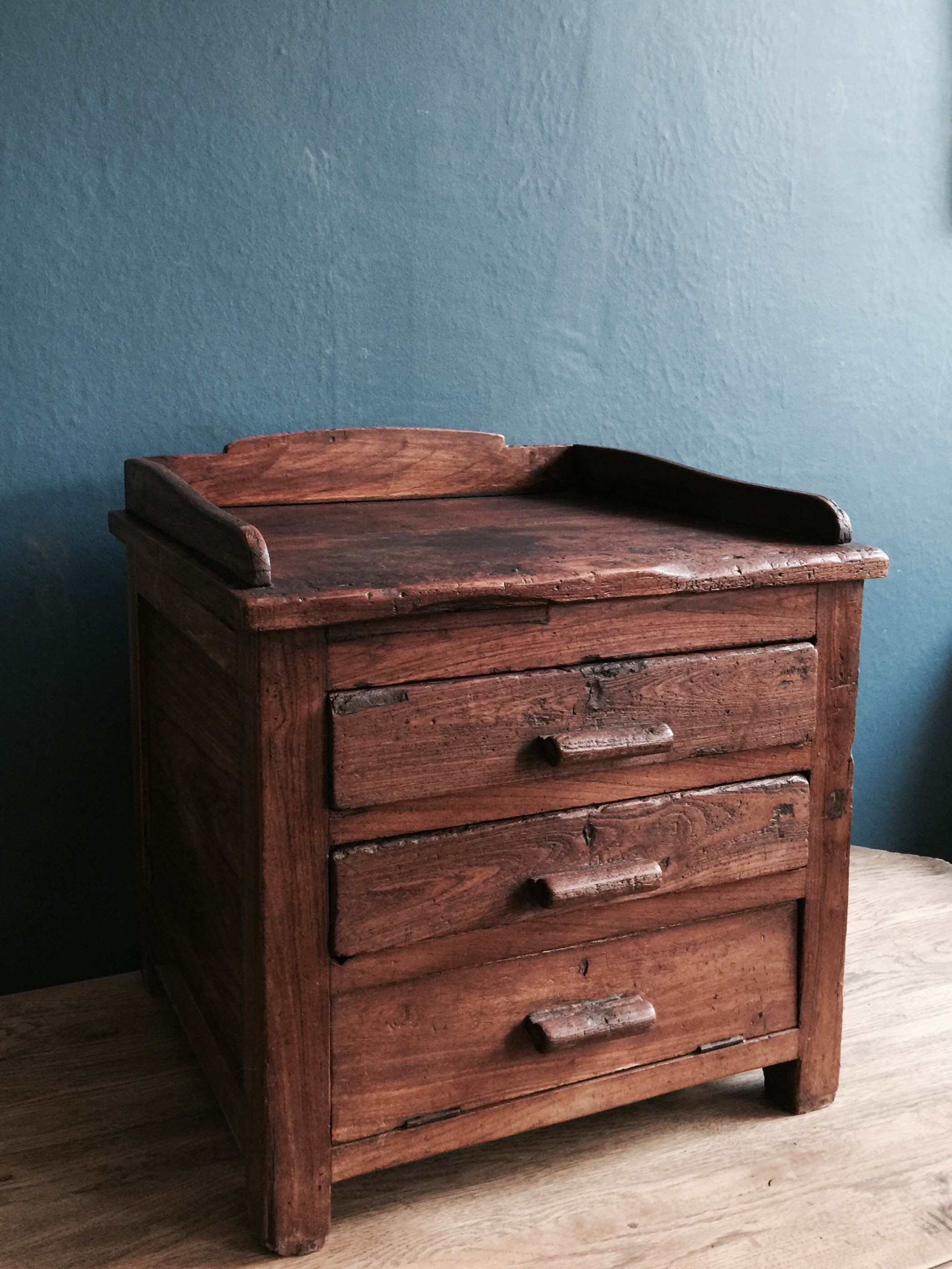 Wooden Chest Of Drawers Stock no.5029 (side).JPG